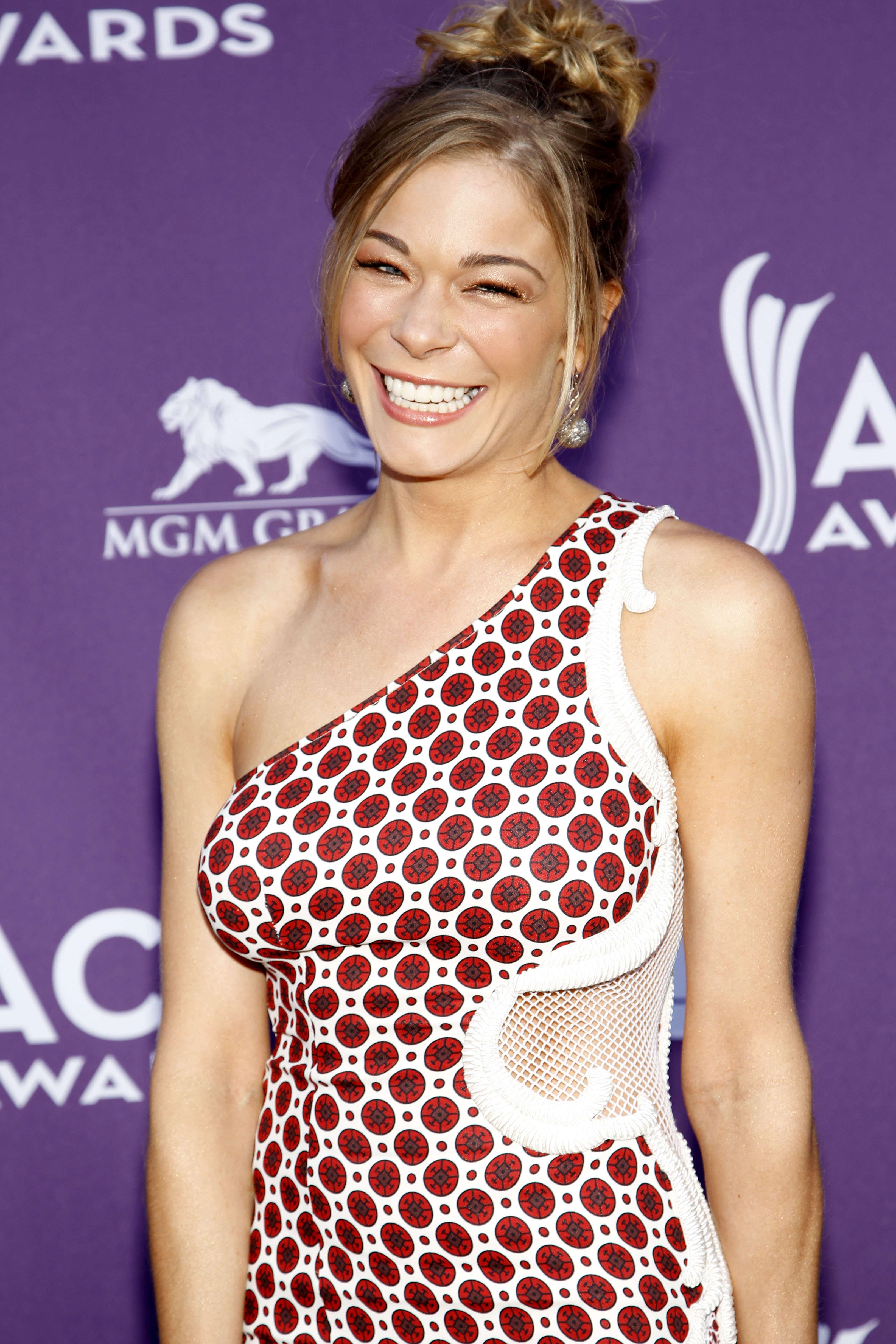 LeAnn Rimes red stella Mccartney dress affair