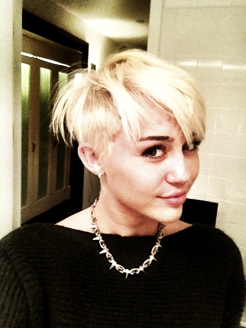 Miley Cyrus chopped locks