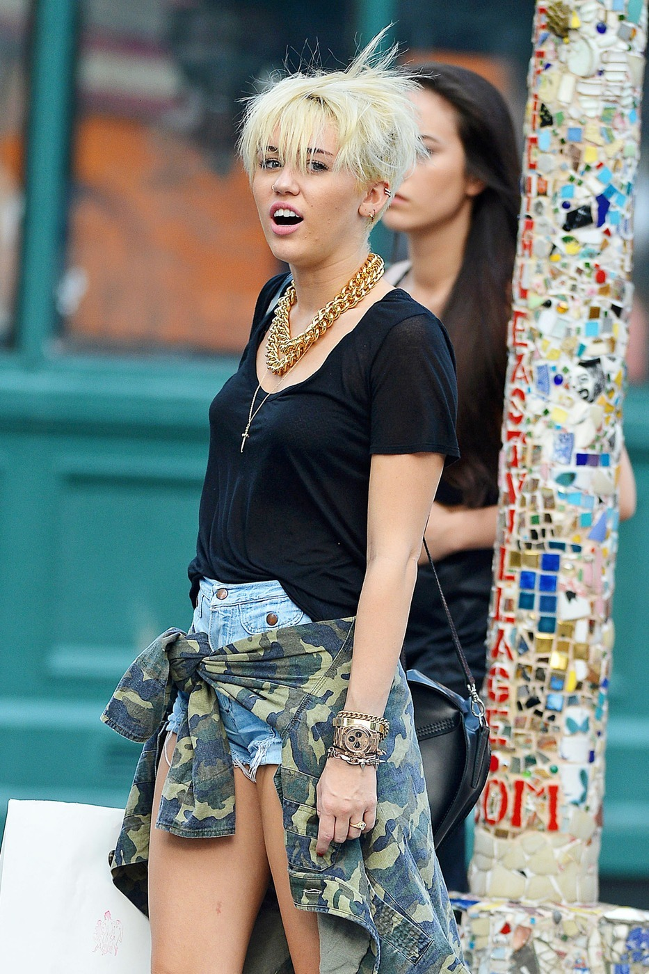 Miley Cyrus cropped hair