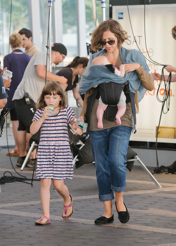 Maggie Gyllenhaal daughters