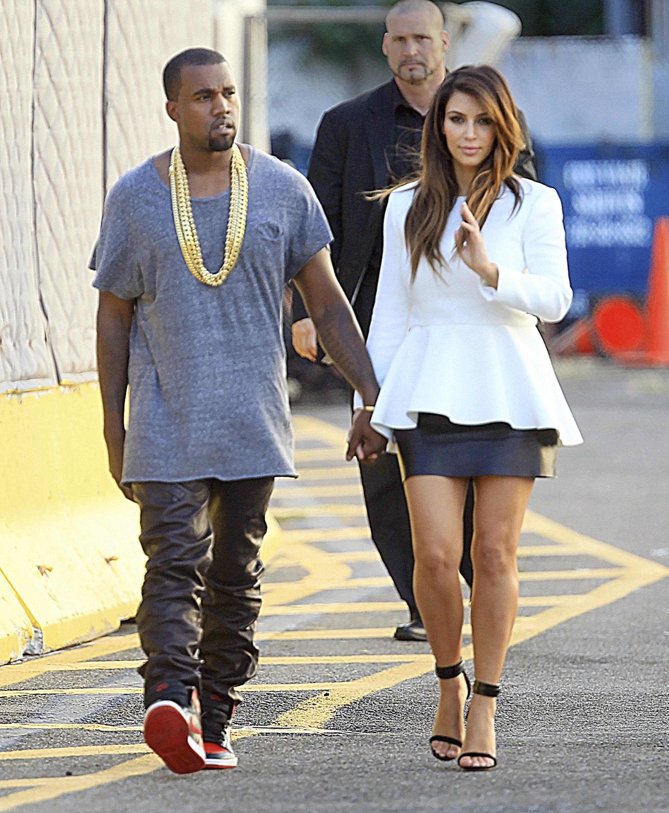 Kim Kardashian Kanye West PDA