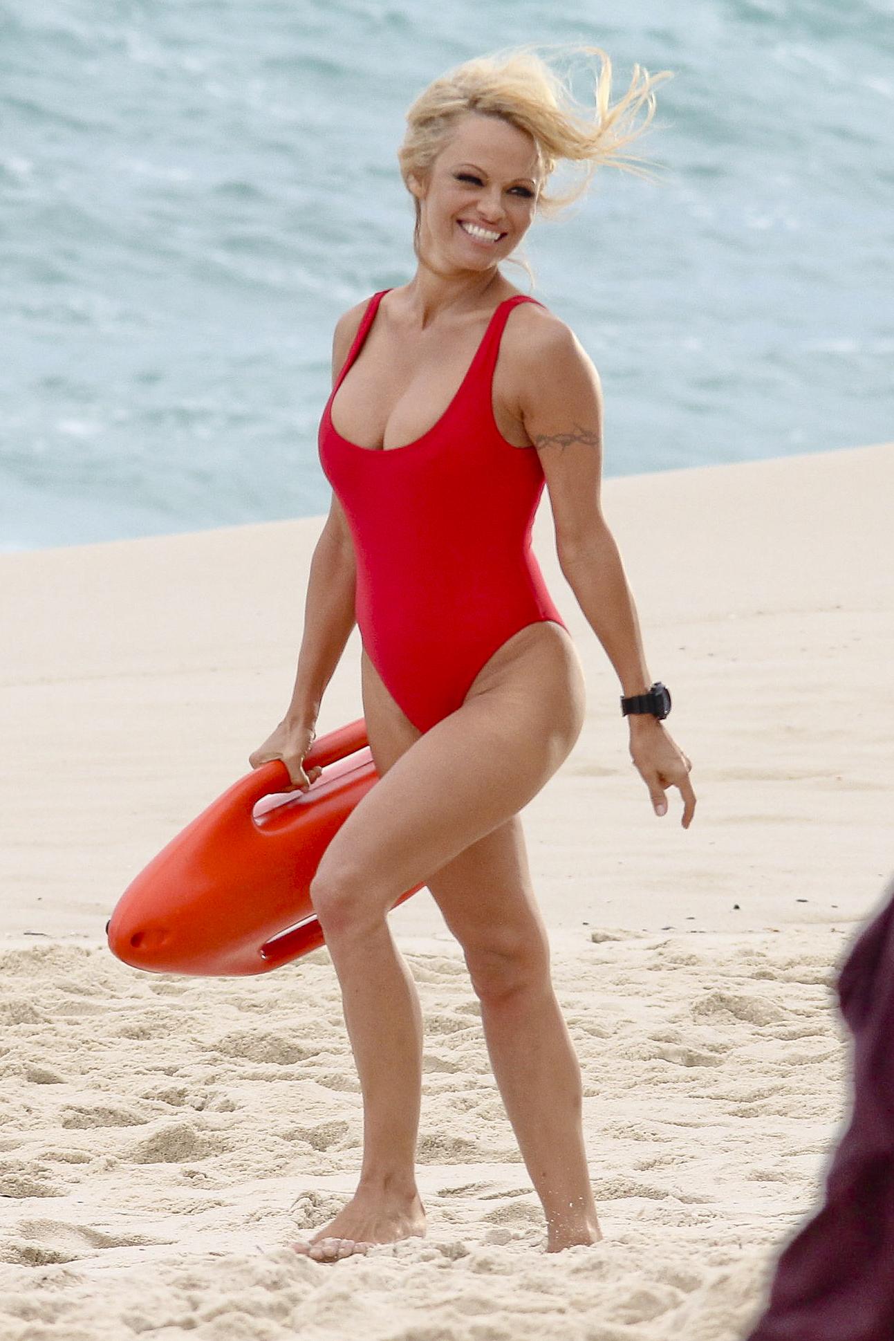 pam anderson pamela baywatch red suit beach lifeguard