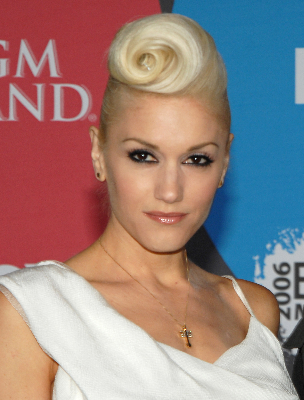 Gwen Stefani hair art