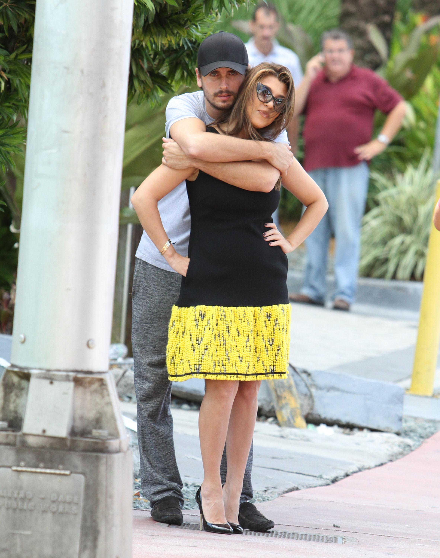 Kourtney Kardashian and Scott Disick PDA