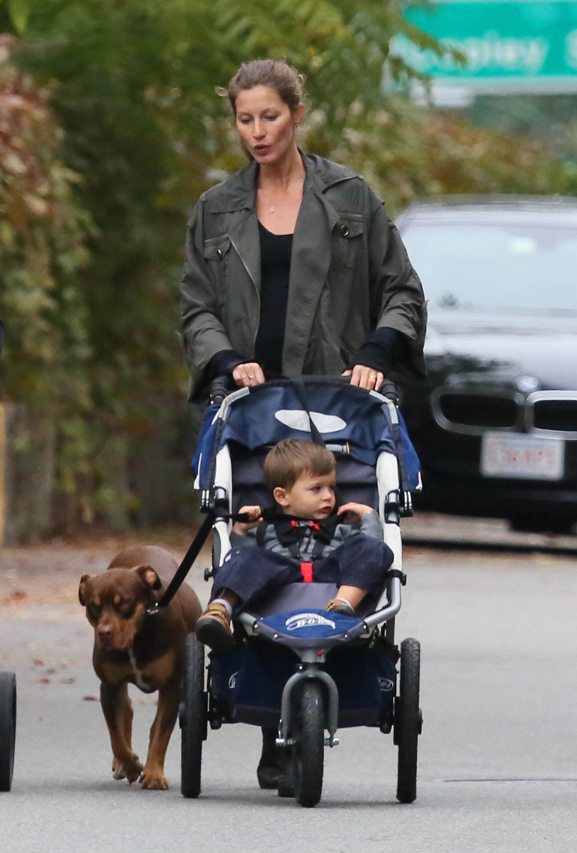 Gisele pregnant son daughter baby walk Tom Brady