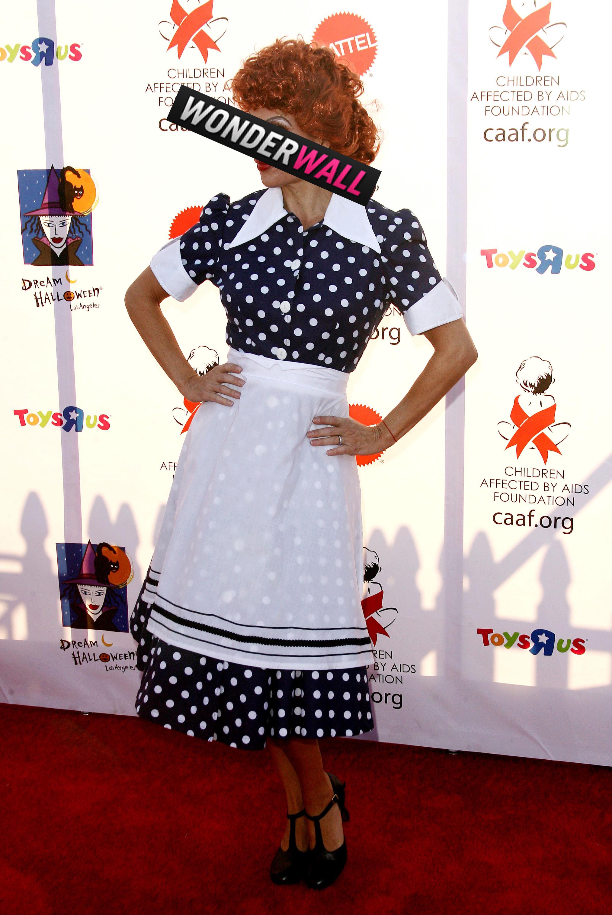 Lisa Rinna Lucille Ball halloween costume