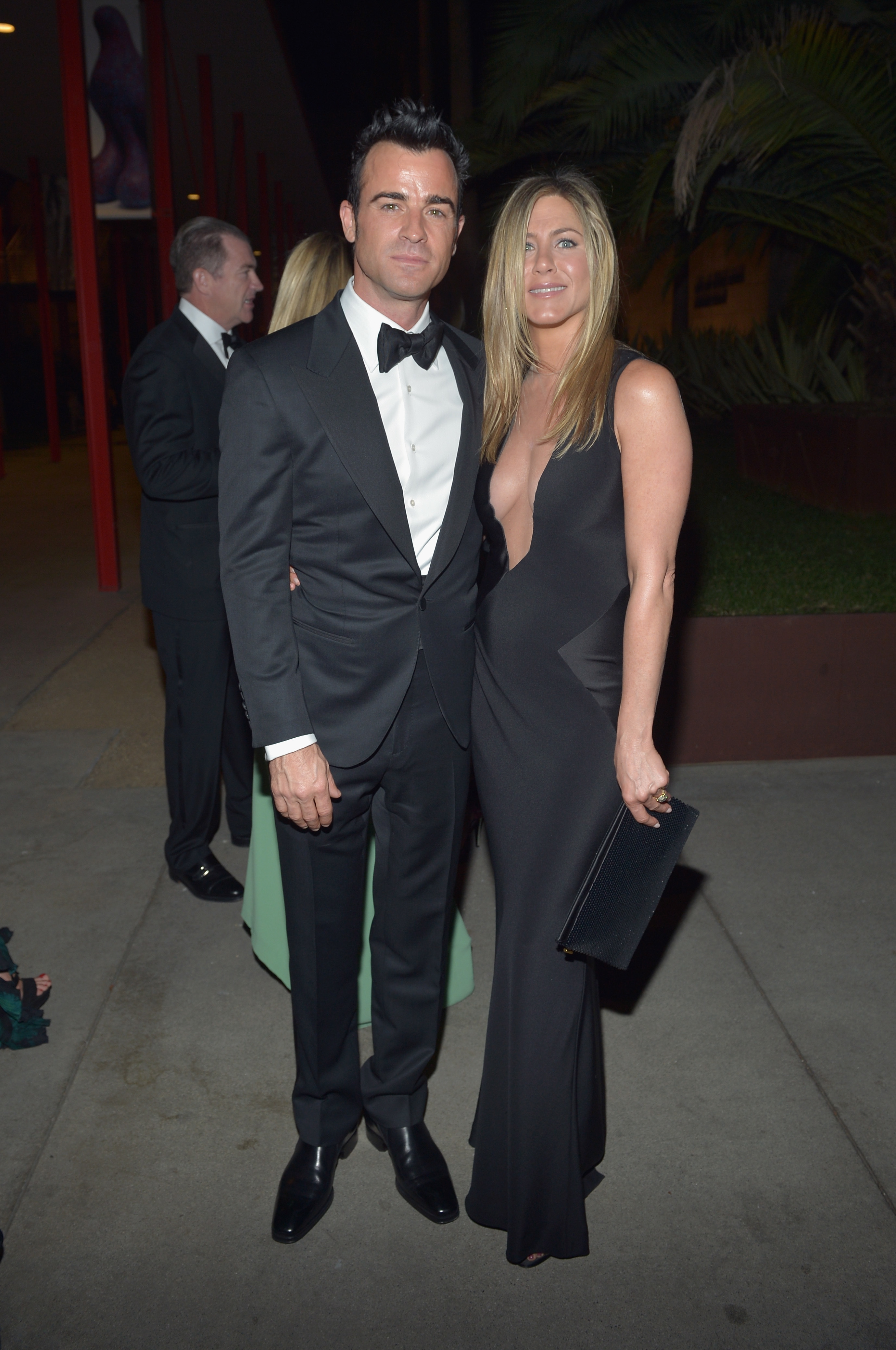 Jennifer Aniston engaged