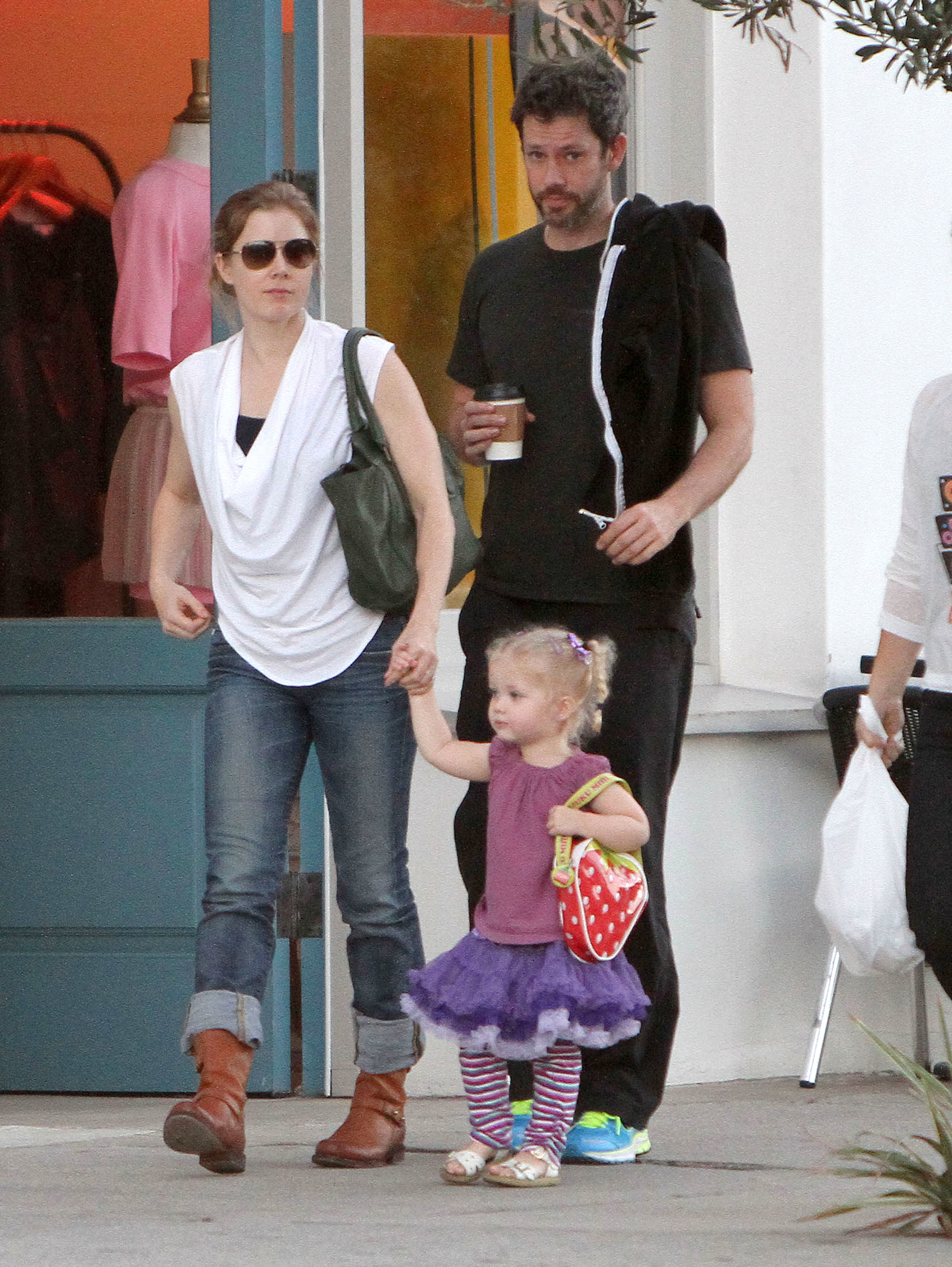 """""""Man of Steel"""" star Amy Adams' 3 year old daughter grabbed Superman's butt"""