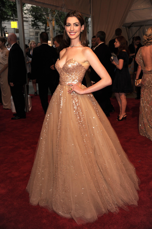 Anne Hathaway 2010 Met Gala dress