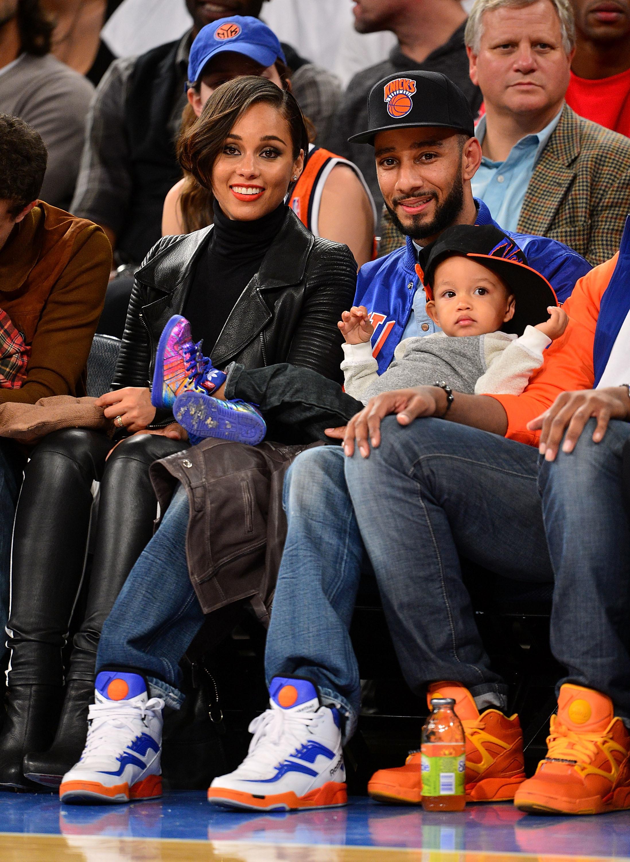 Alicia Keys Egypt Swizz Beatz basketball game courtside new york