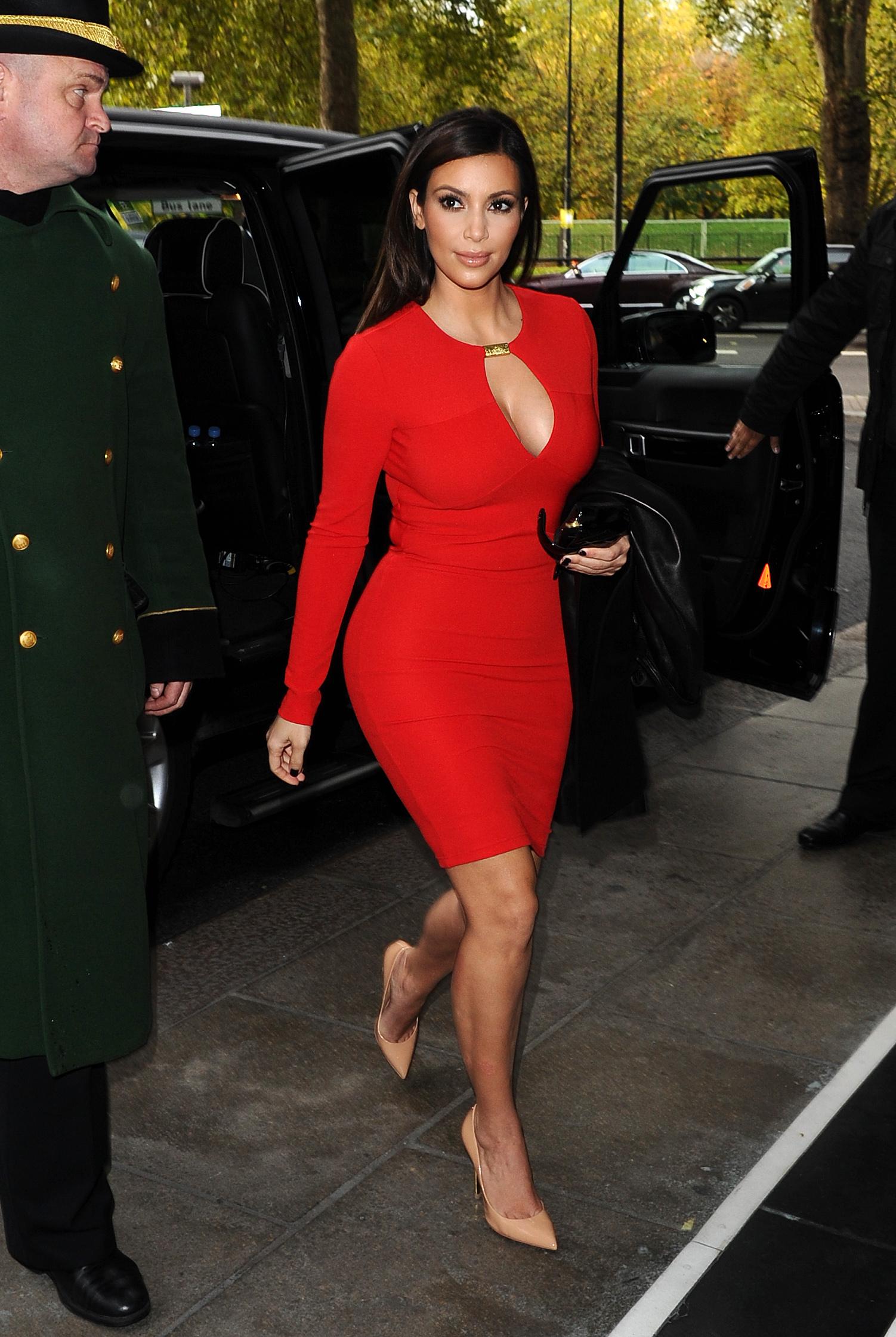 Kardashian_121109KG2_B GR_6