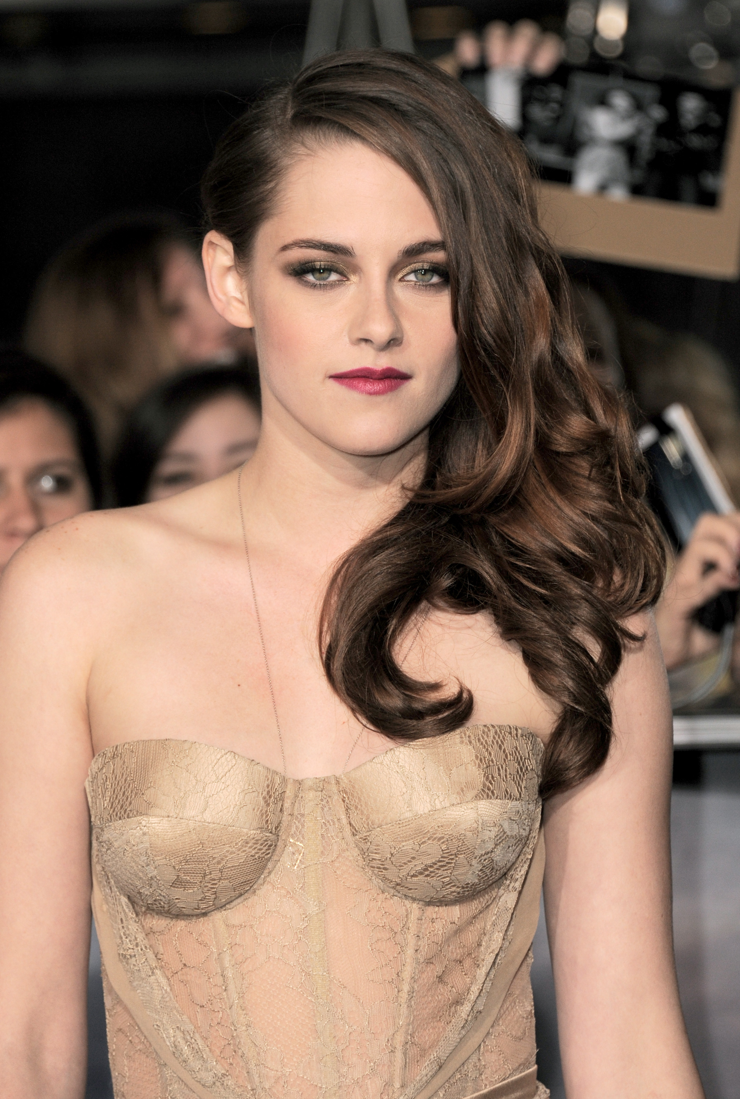 Kristen Stewart emotionless