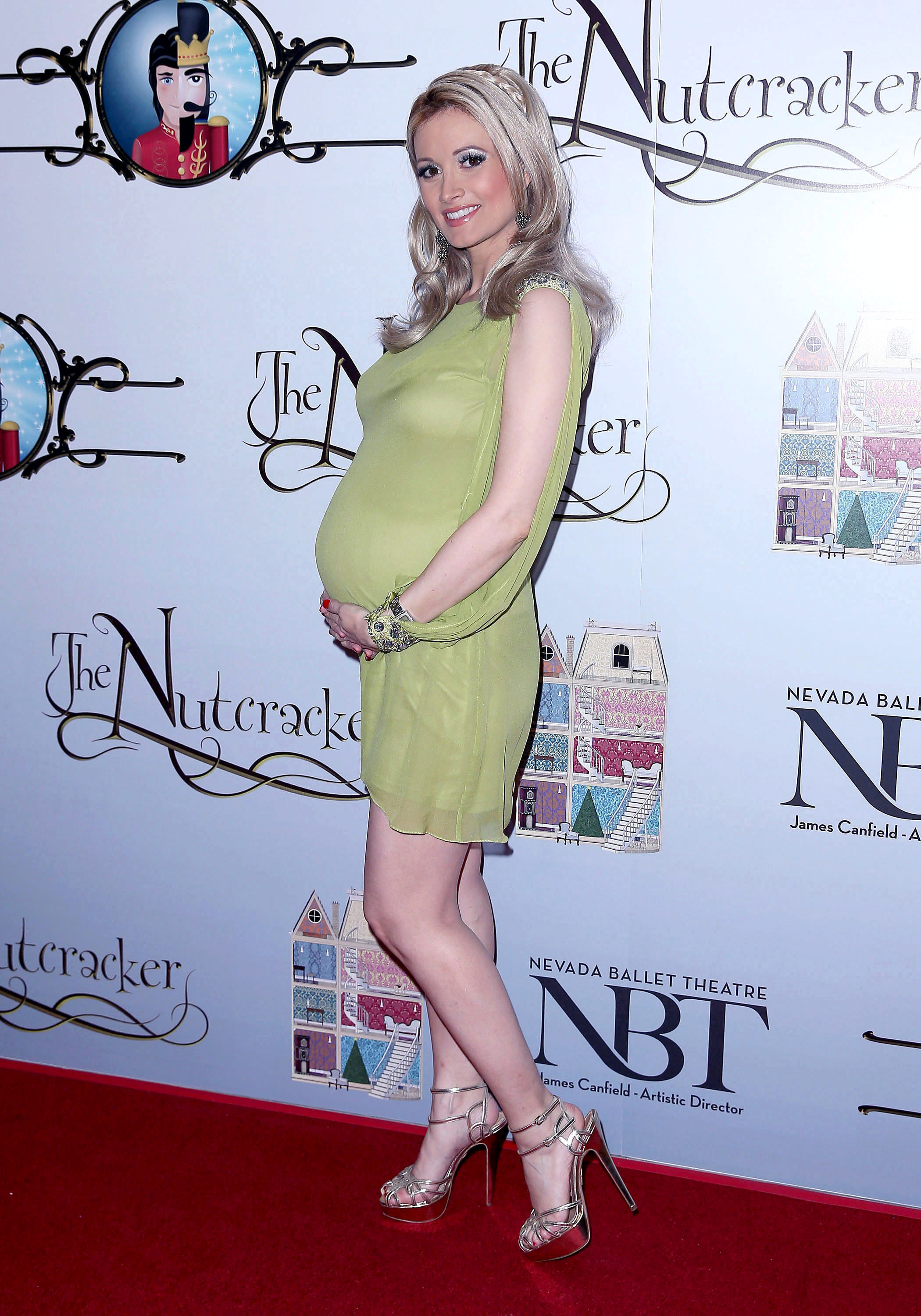 Holly Madison baby girl daughter delivery las vegas