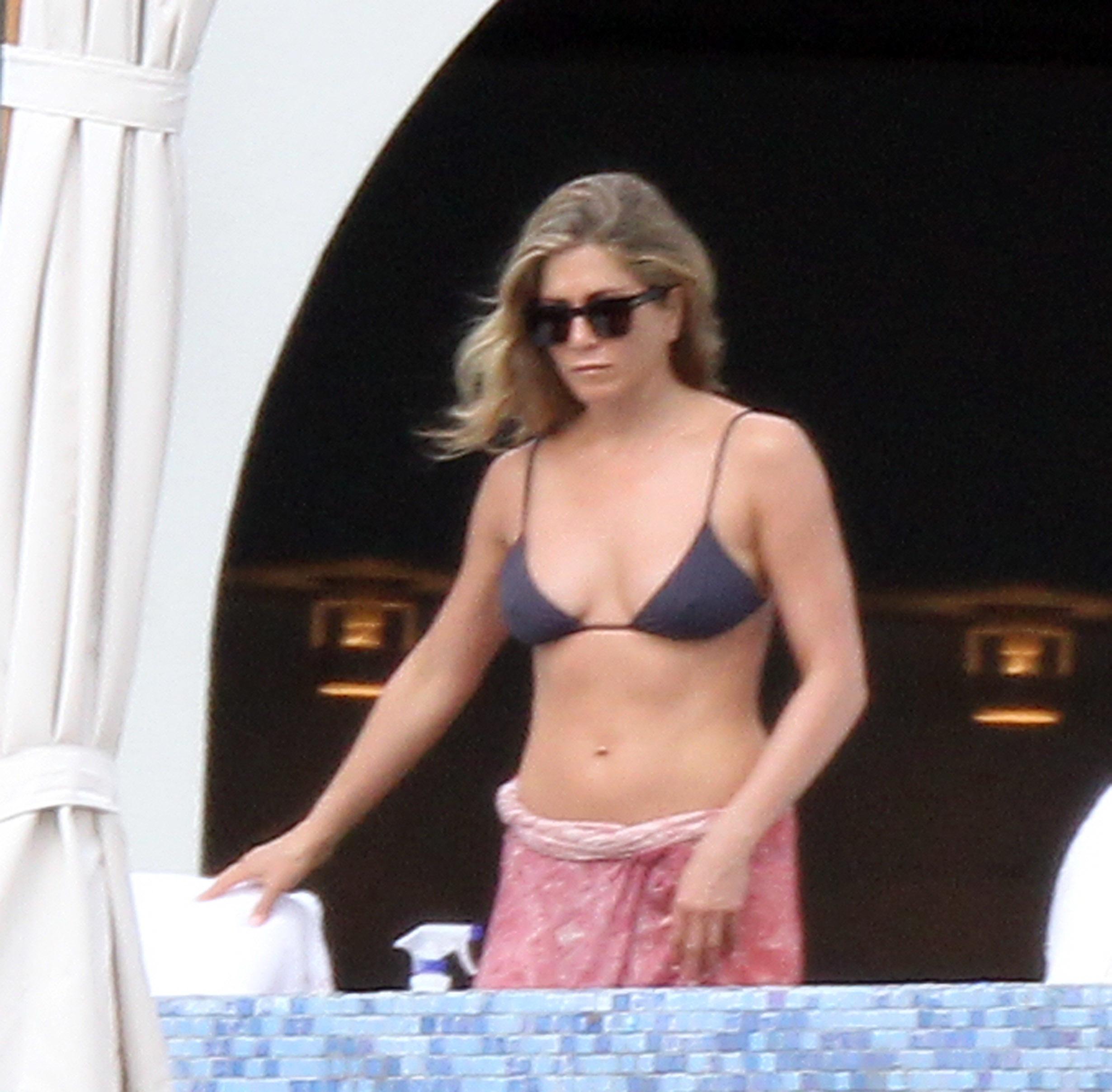 Jennifer Aniston gray bikini pink sarong