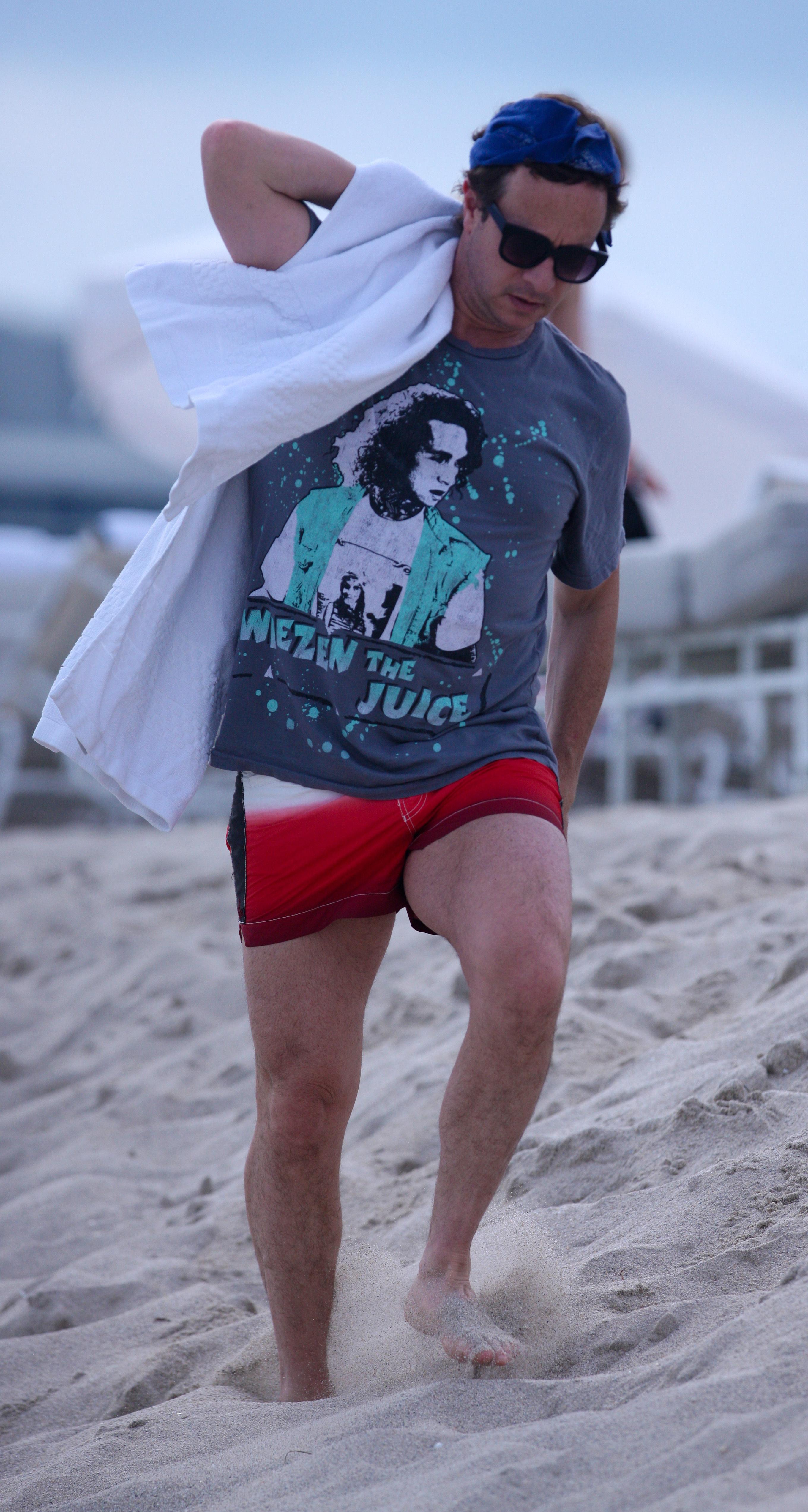 Pauly Shore beach gray t shirt