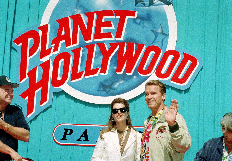 arnold schwarzenegger planet hollywood