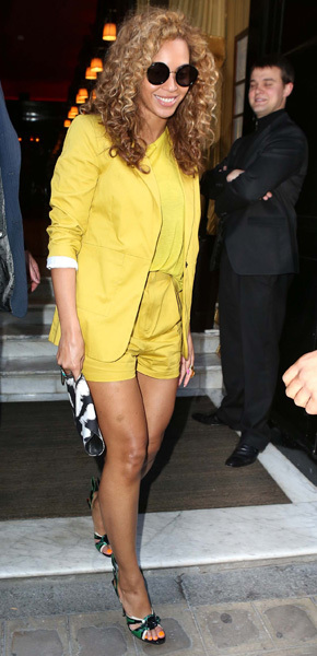 Beyonce Carrie Underwood yellow green shorts