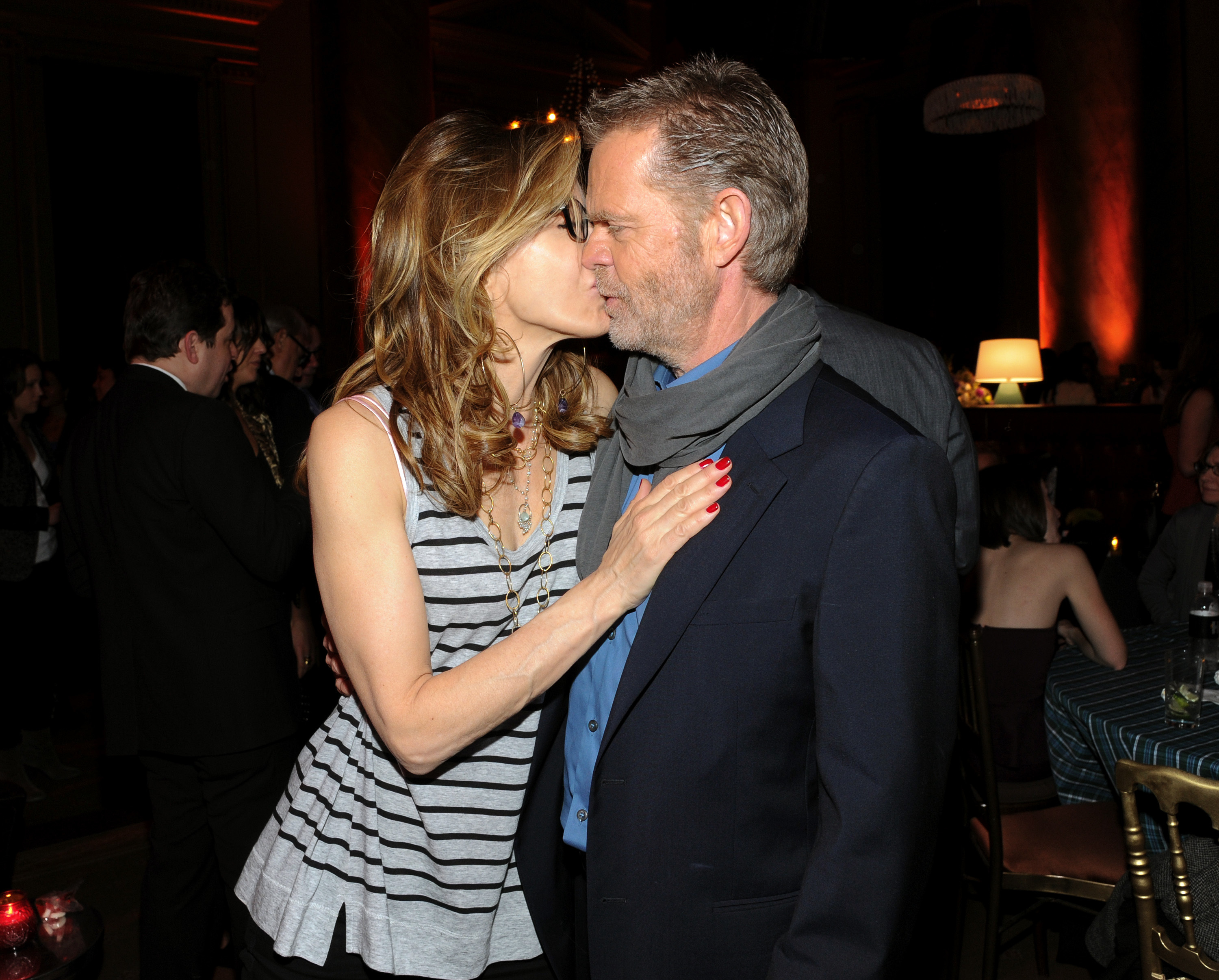 William H. Macy Felicity Huffman kiss