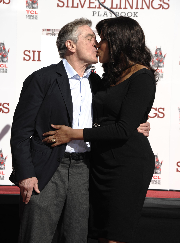Robert De Niro wife kiss