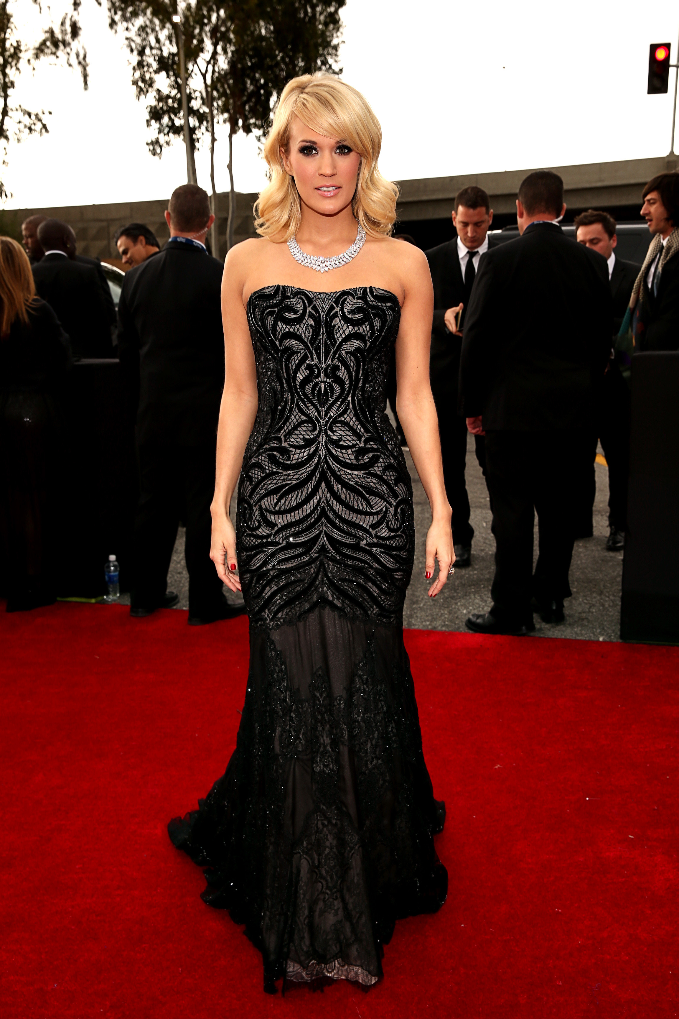 Carrie Underwood black gown 2013 Grammy Awards