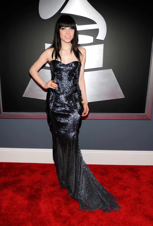 Carly Rae Jepsen black dress grammys