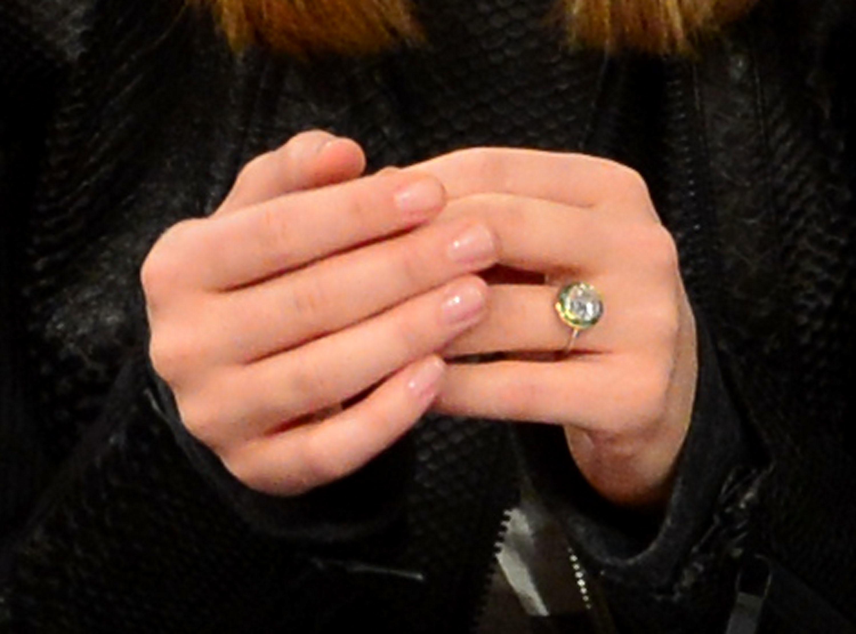 Olivia Wilde Jason Sudeikis engagement ring