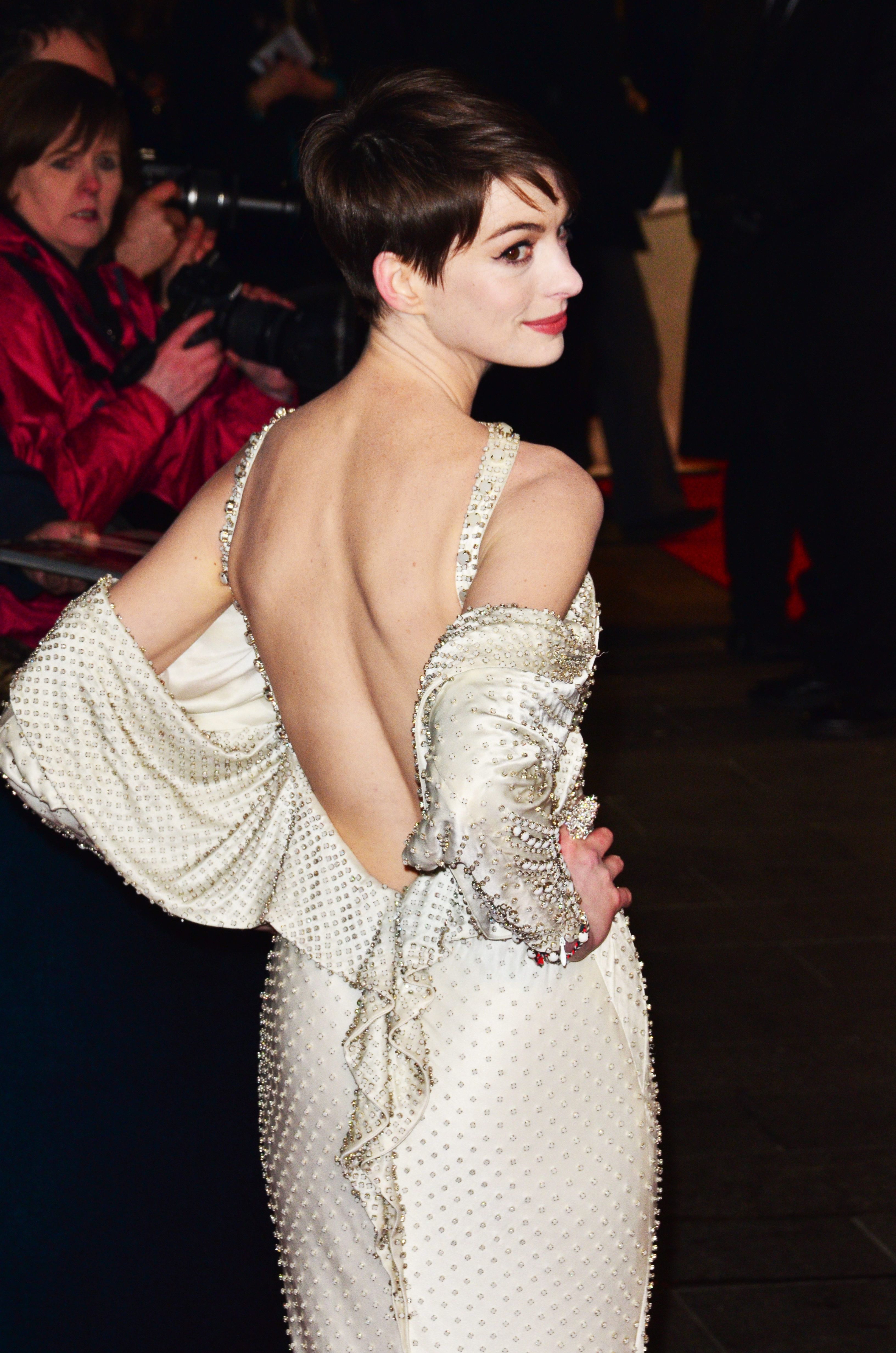 Anne Hathaway backless white dress