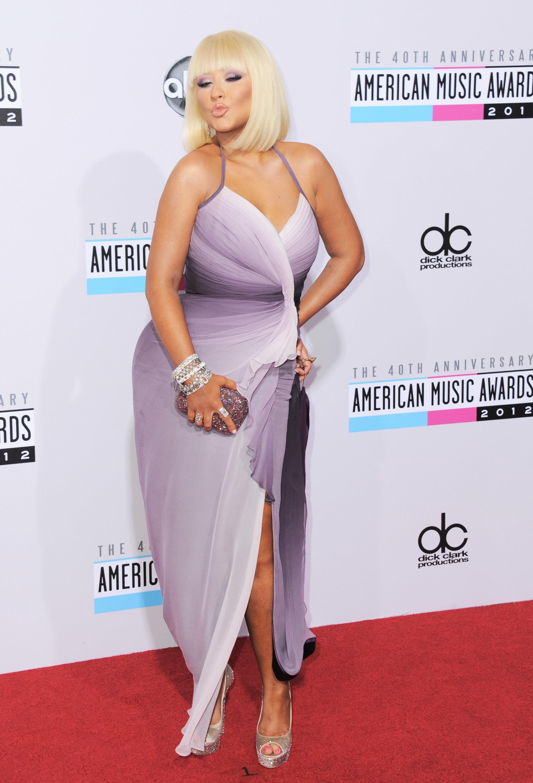 Christina Aguilera blows a kiss