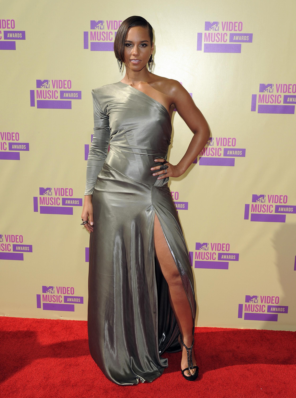 Alicia Keys slit