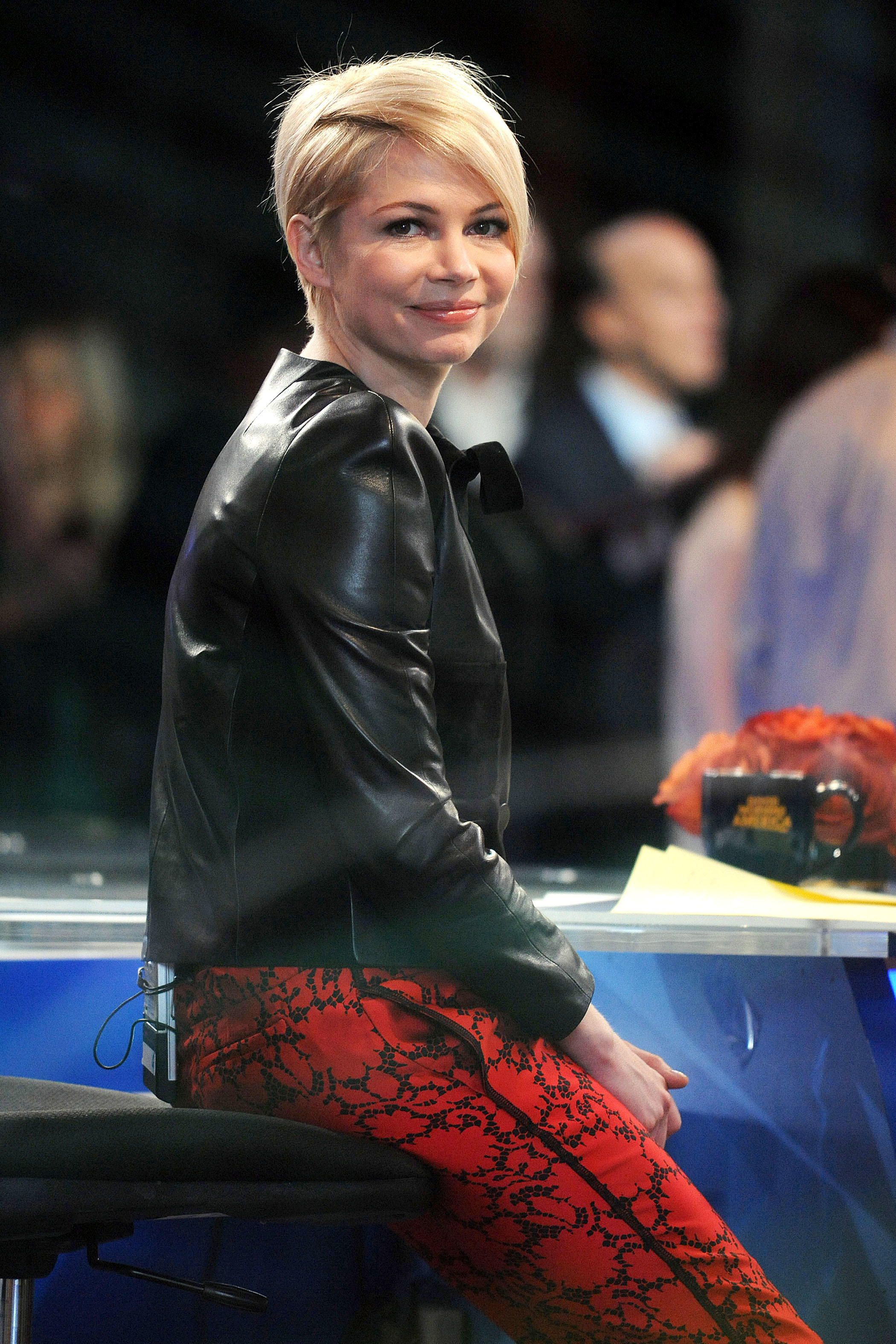 MIchelle Williams Good Morning America pixie short hair