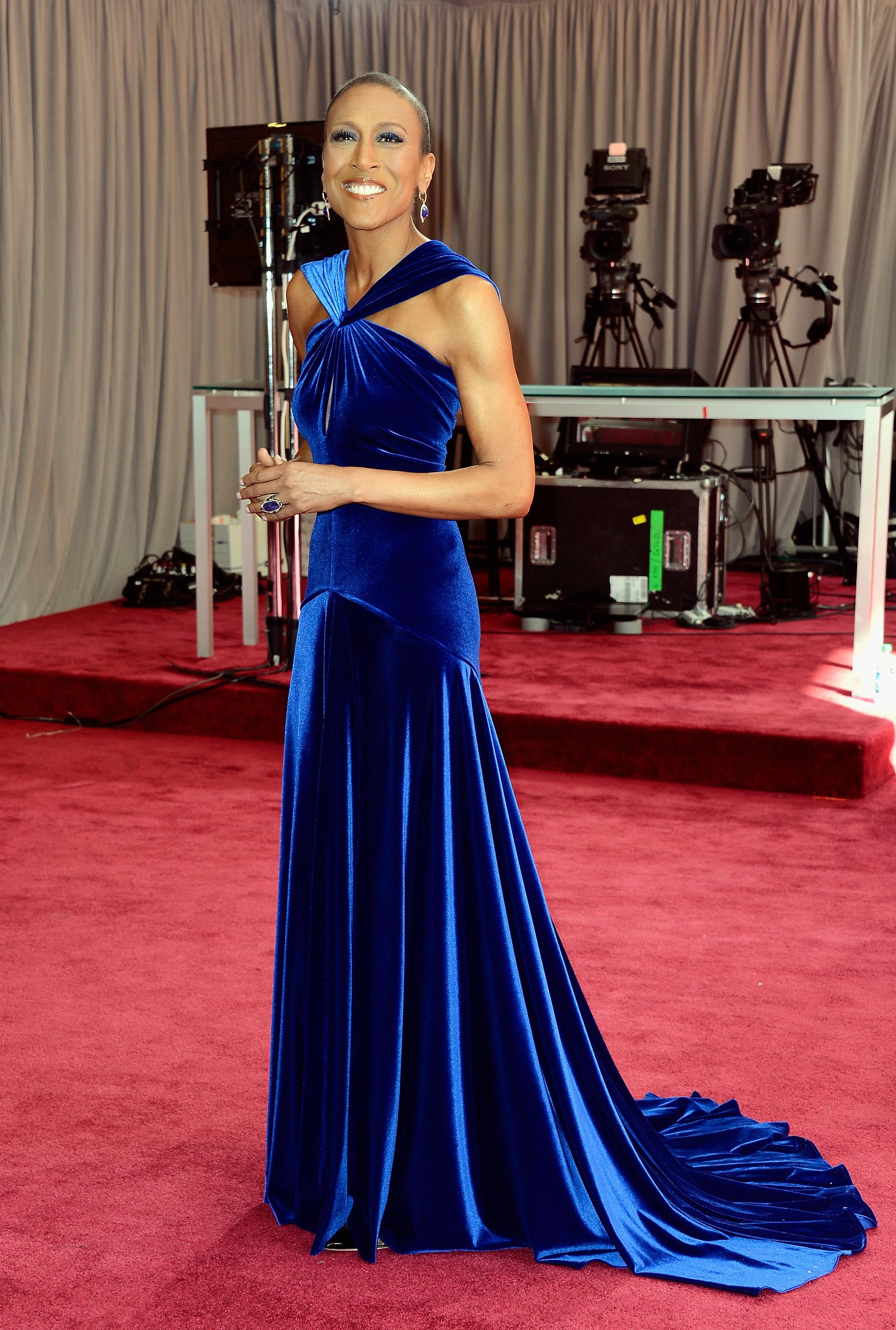 Robin Roberts 2013 academy awards oscar red carpet