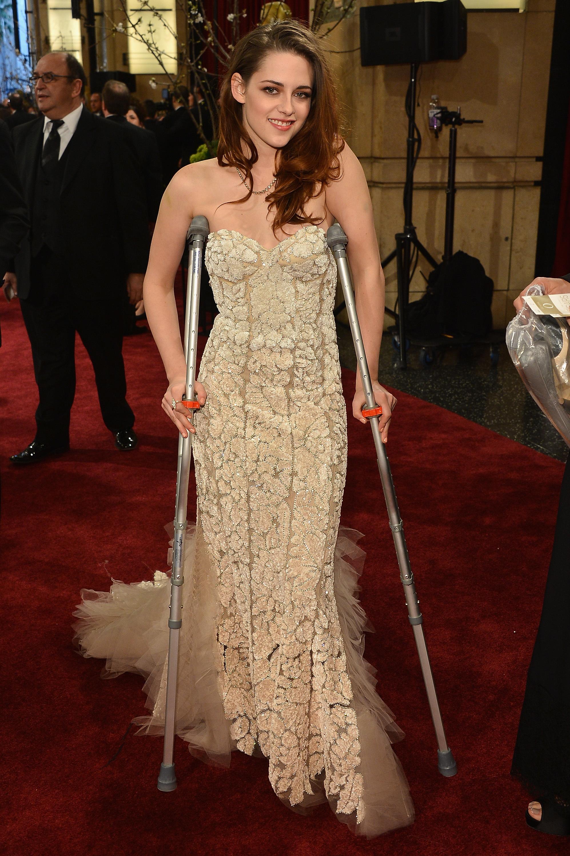 Kristen Stewart 2013 oscars academy awards