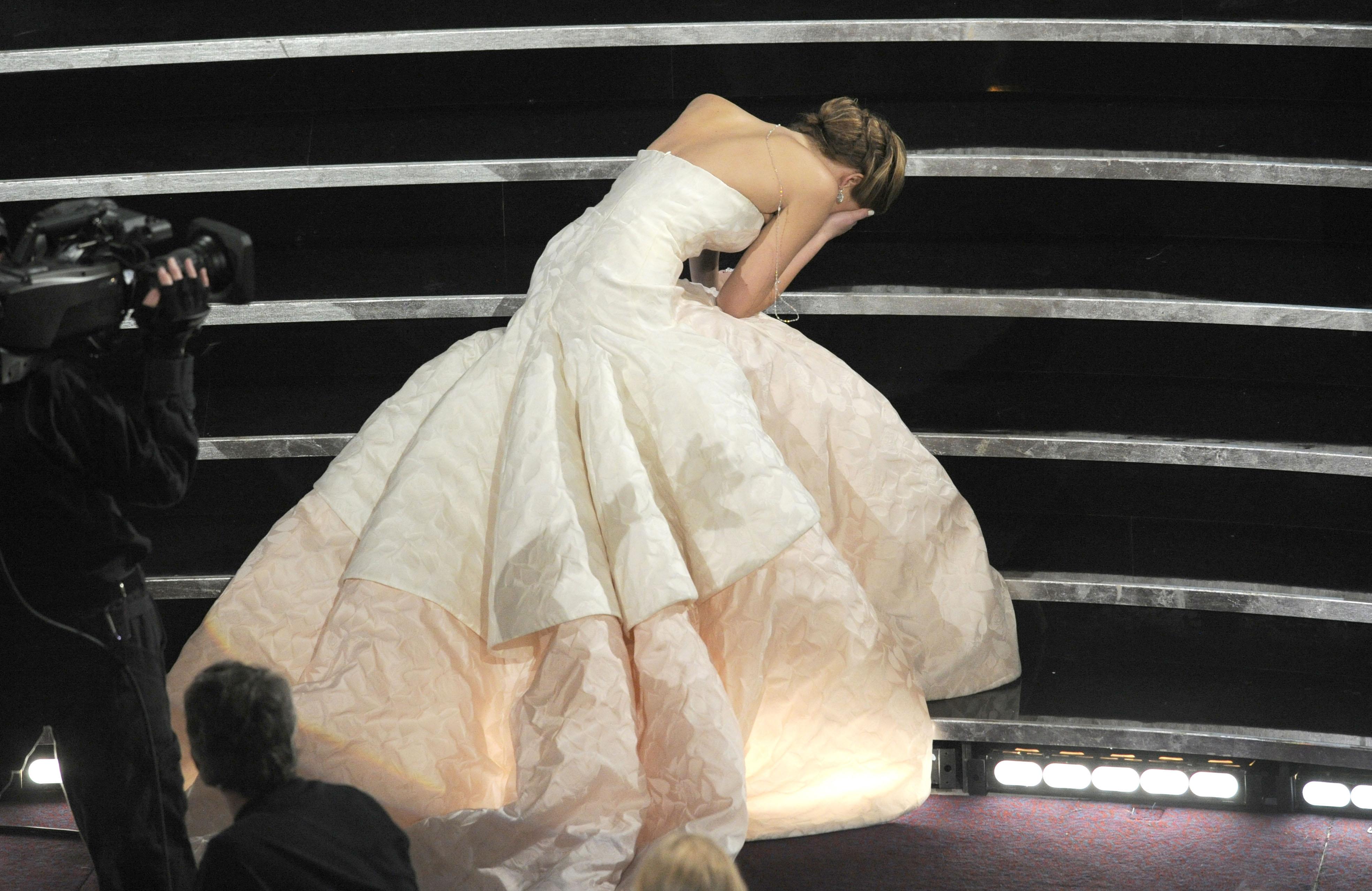 Jennifer Lawrence fall 2013 oscars academy awards