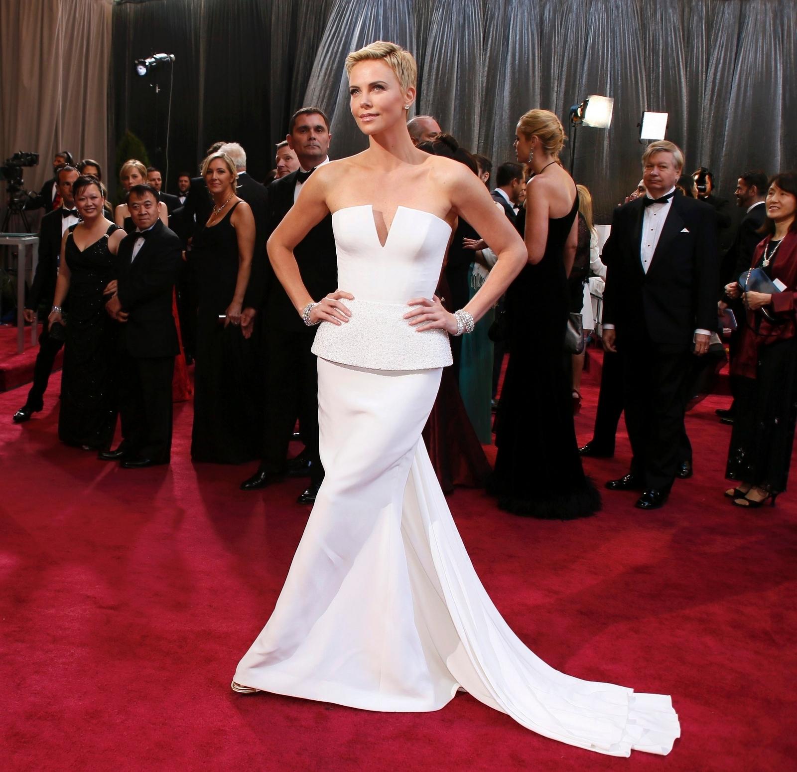 Charlize Theron 2013 Oscars