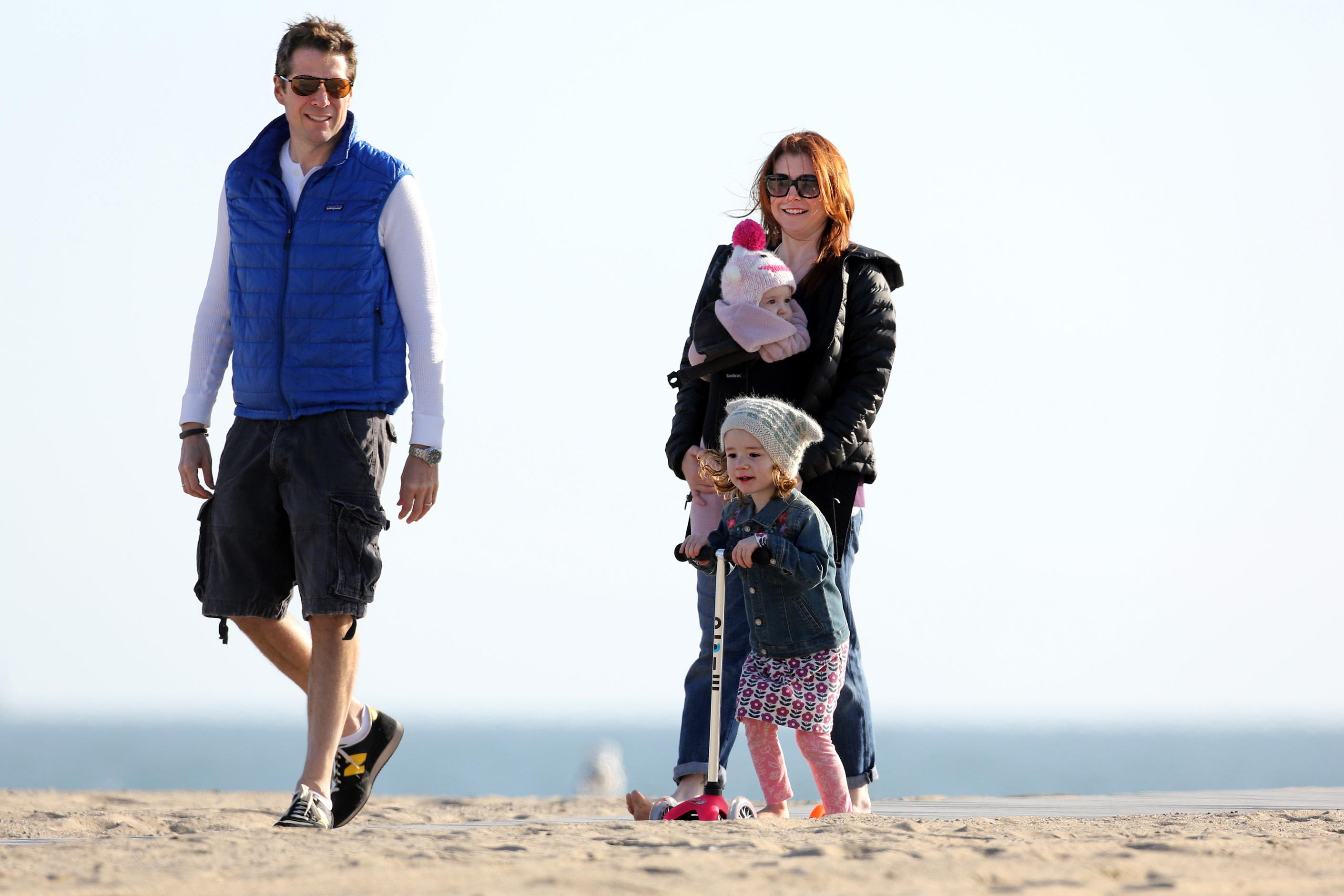 Alyson Hannigan beach parkas kids