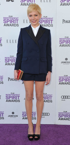 Mila Kunis Michelle Williams short blazer peep toe shoes