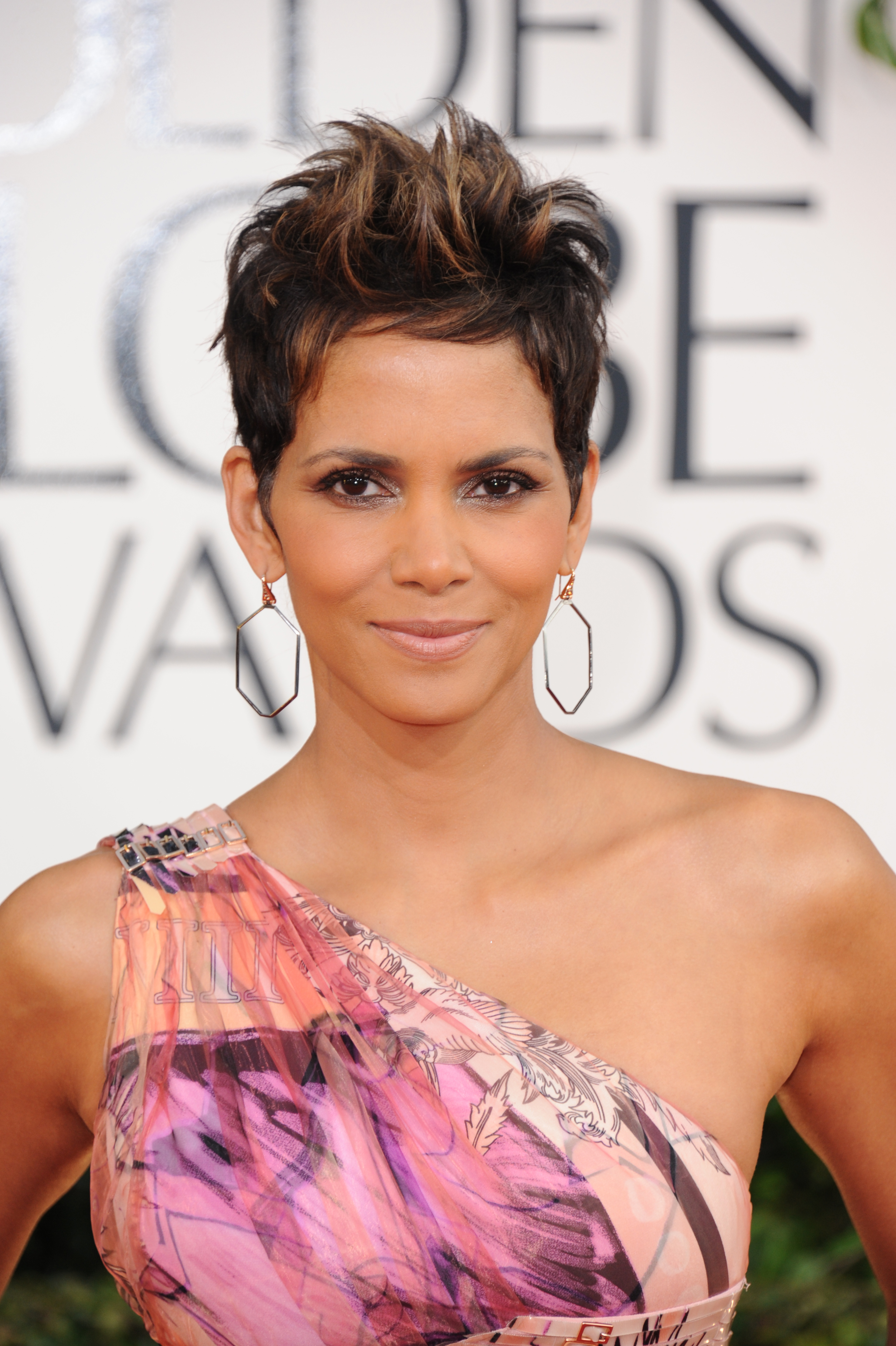 Halle Berry nude lips