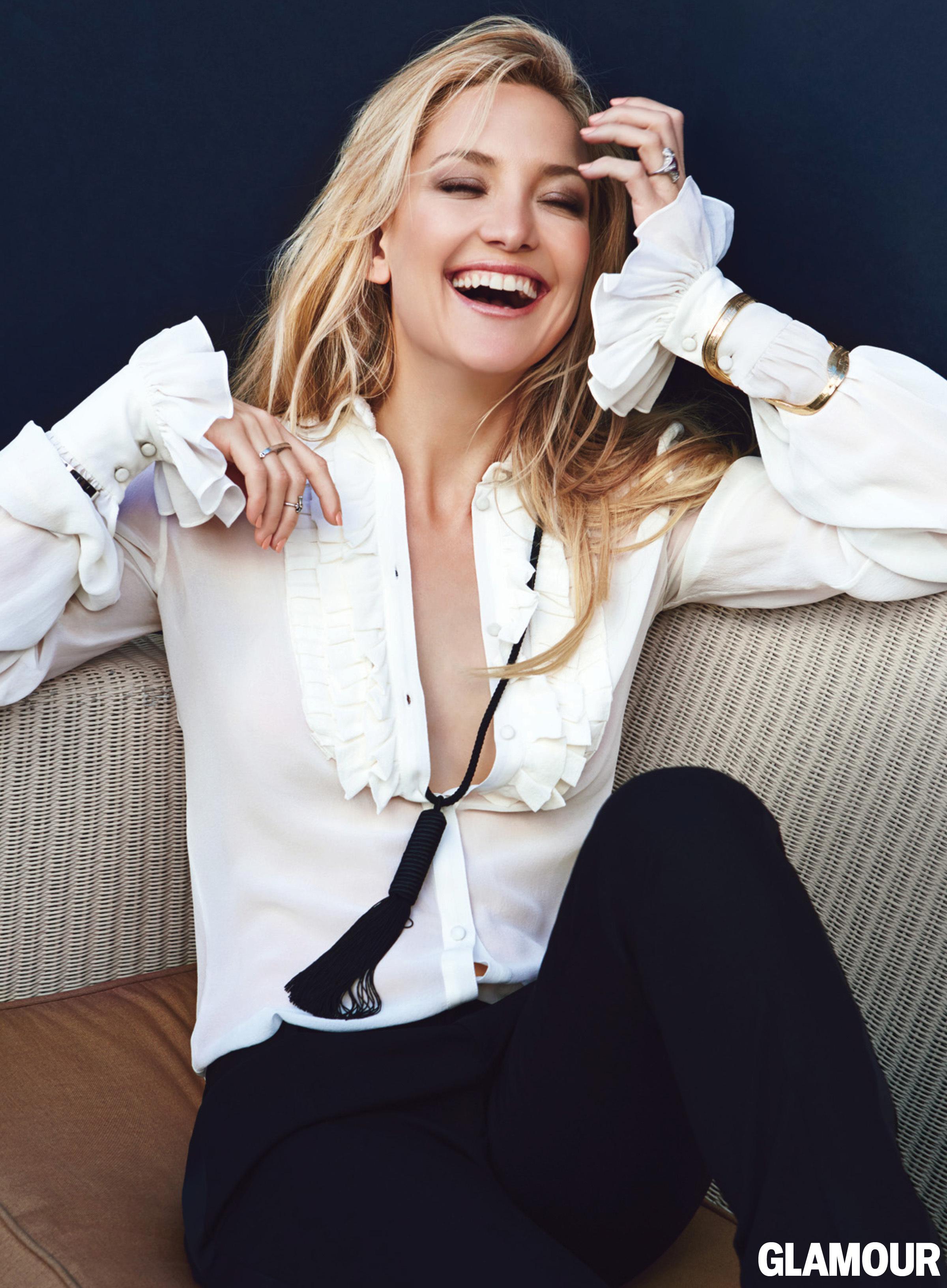 kate hudson cleavage glamour