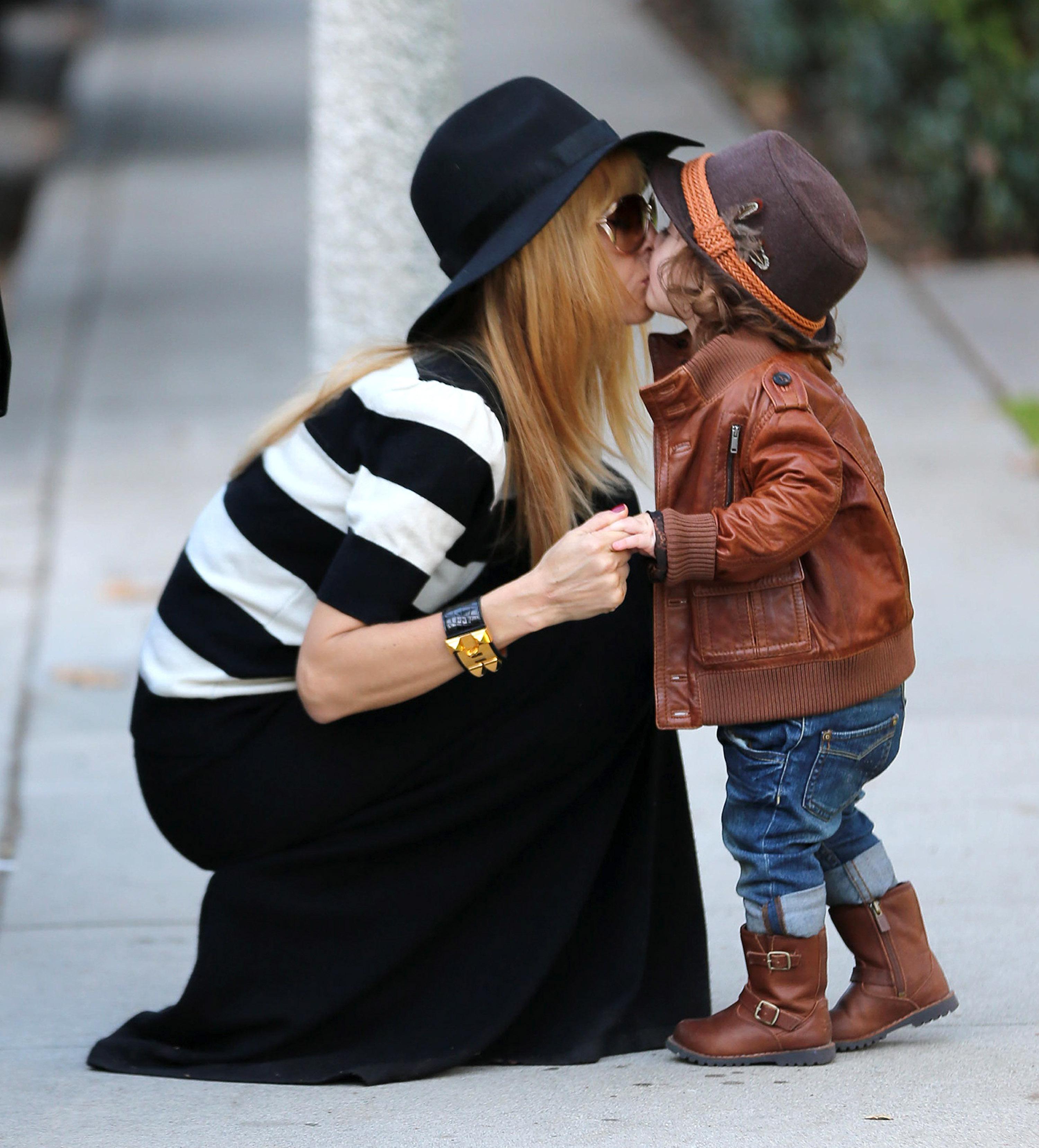 Rchel Zoe Skyler berman kiss
