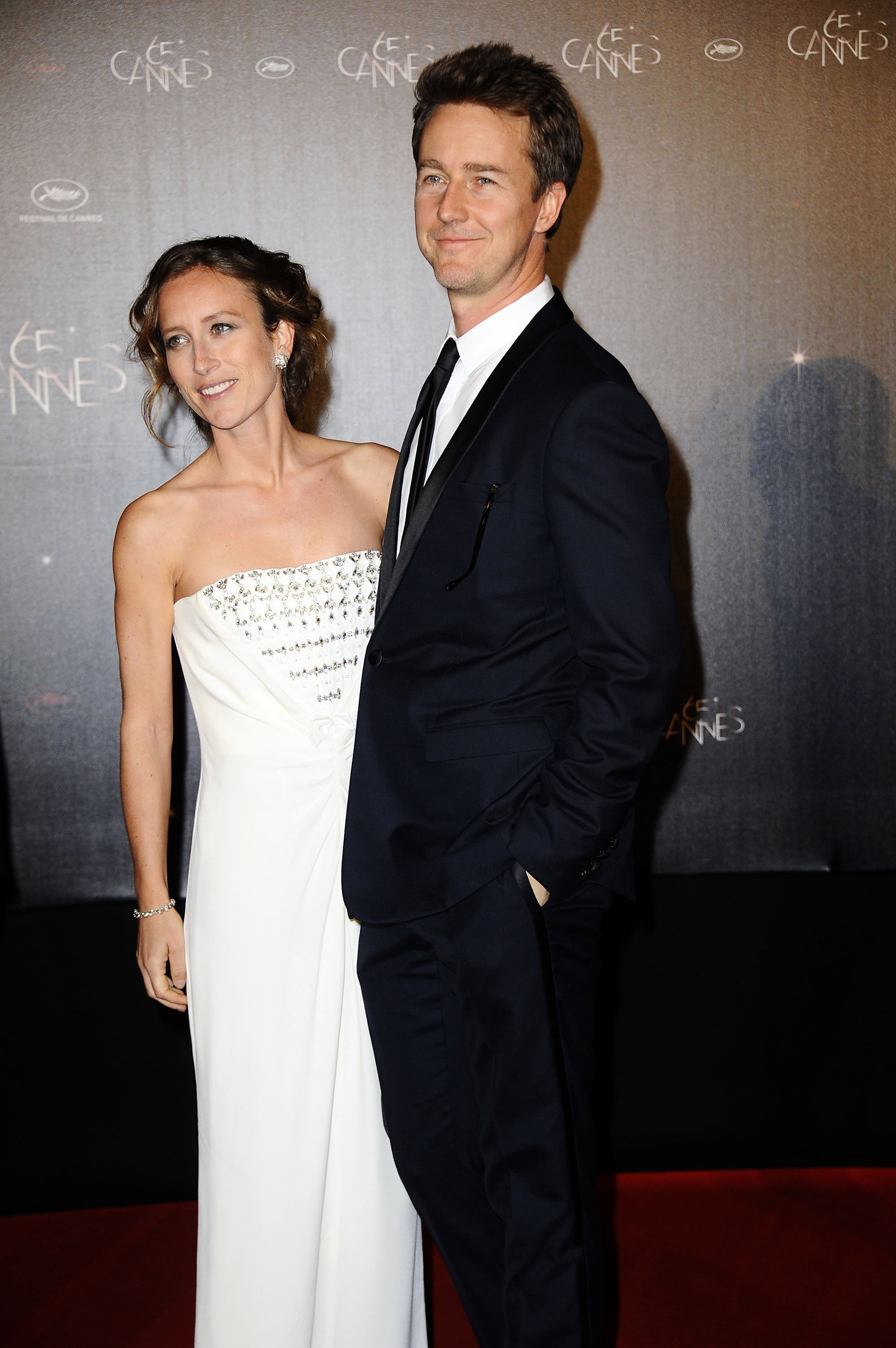 Edward Norton Shauna Robertson expecting pregnant baby