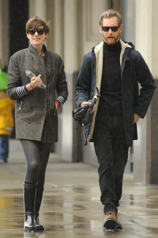 Anne Hathaway street style