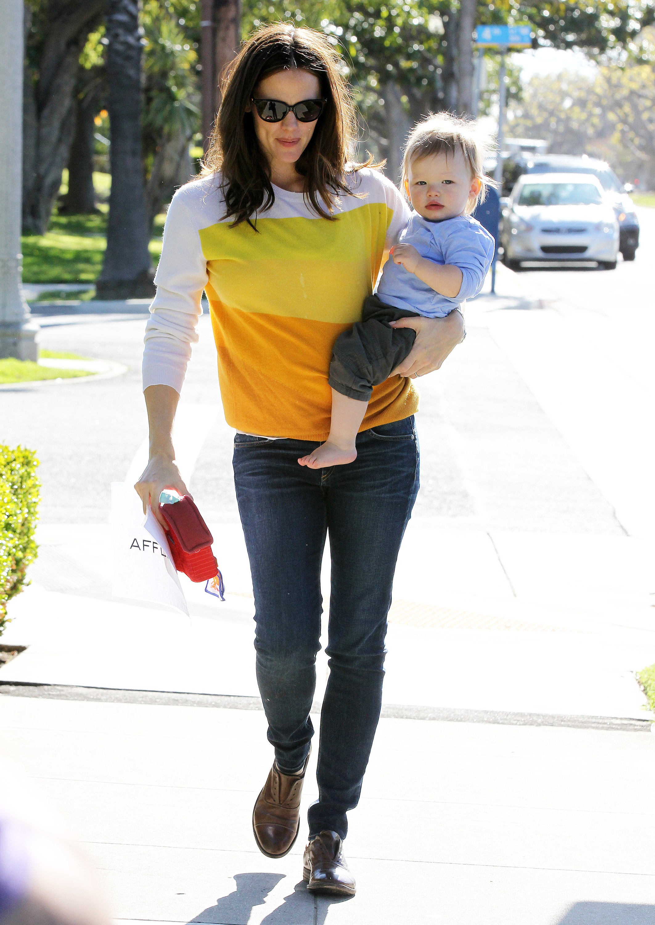 Jennifer Garner wearing yellow
