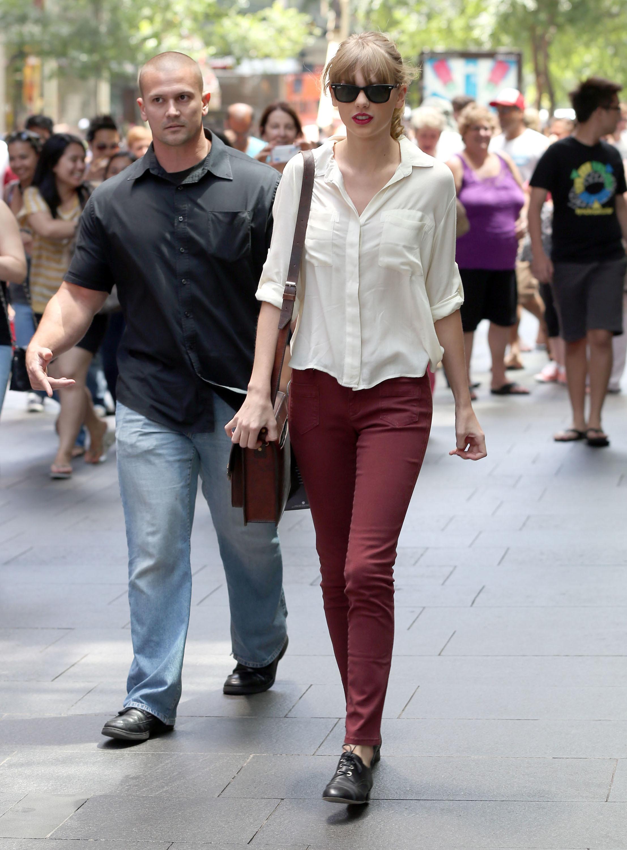taylor Swift Lucy Hale bella dahl white shirt navy rust denim