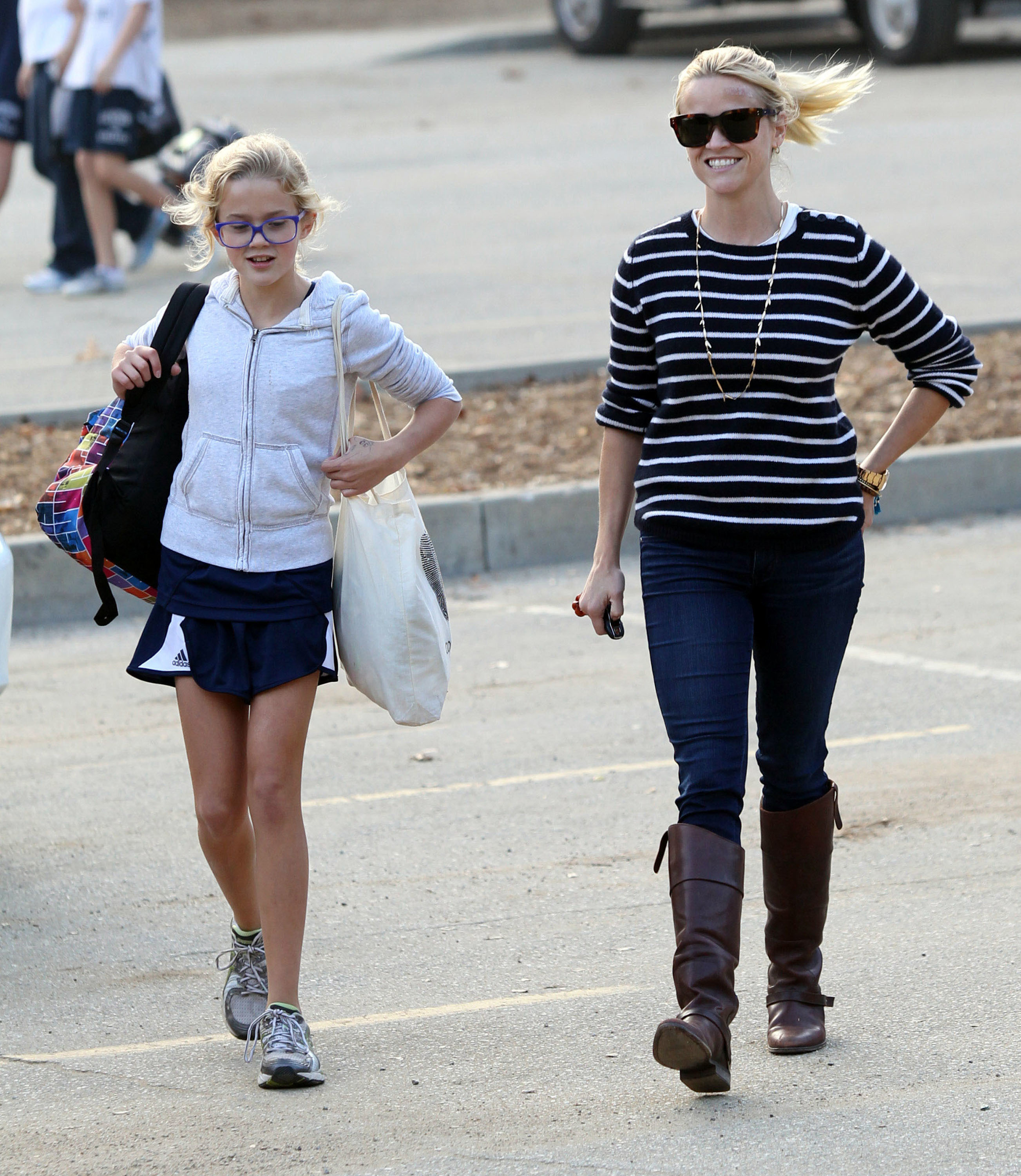 reese witherspoon ava phillippe griffith park