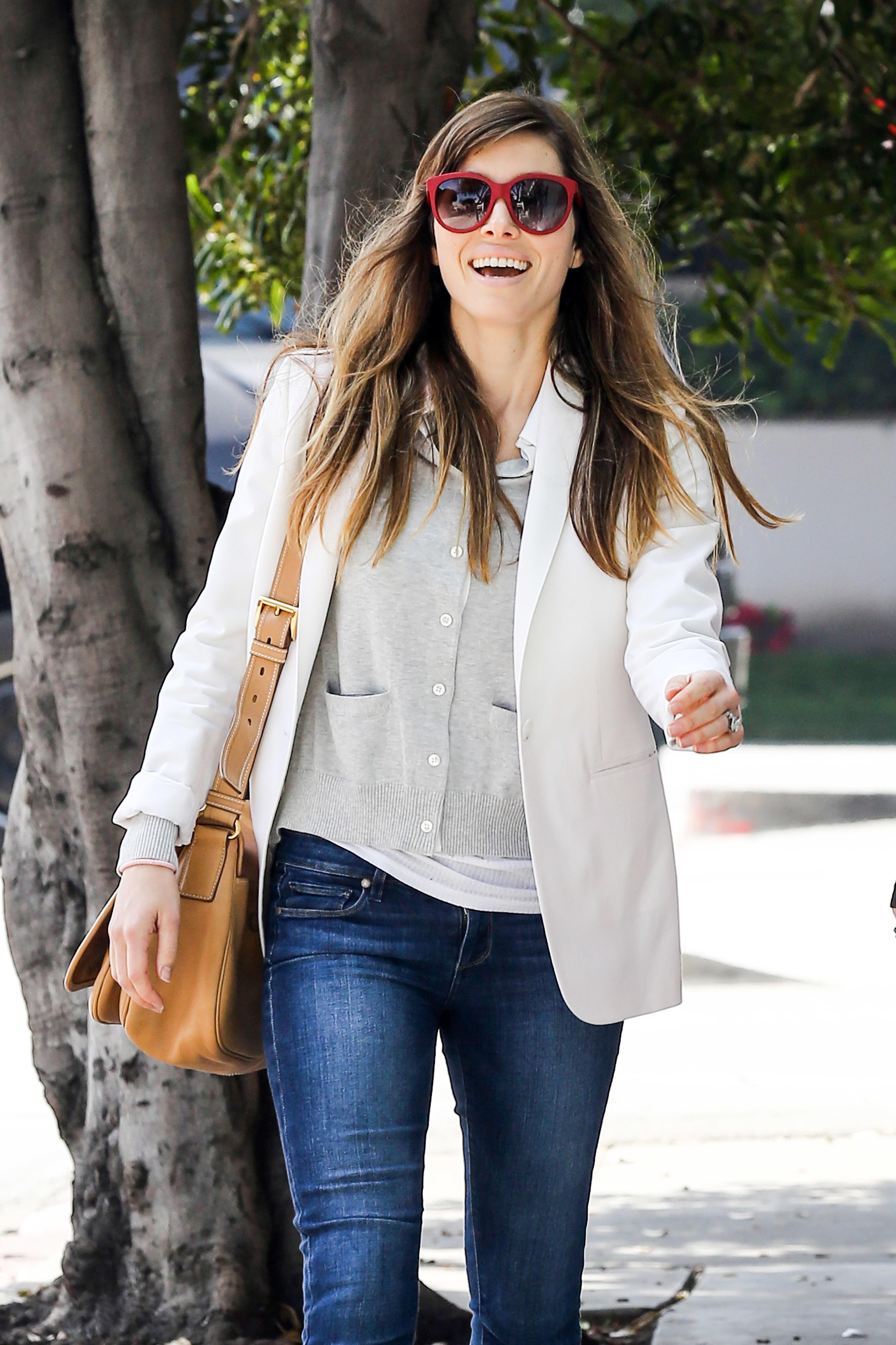jessica biel sunglasses