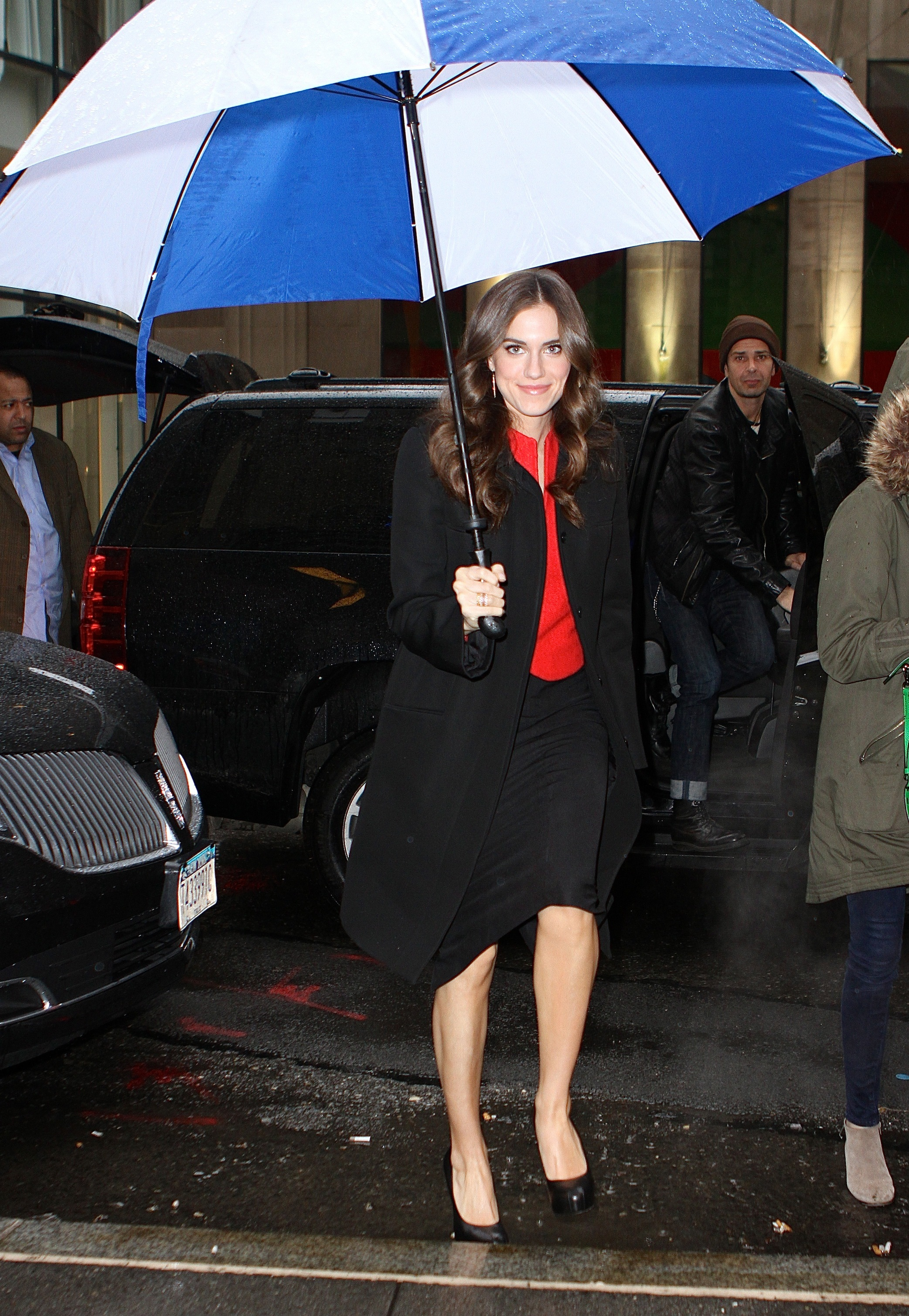 Allison williams Girls blue and white umbrella