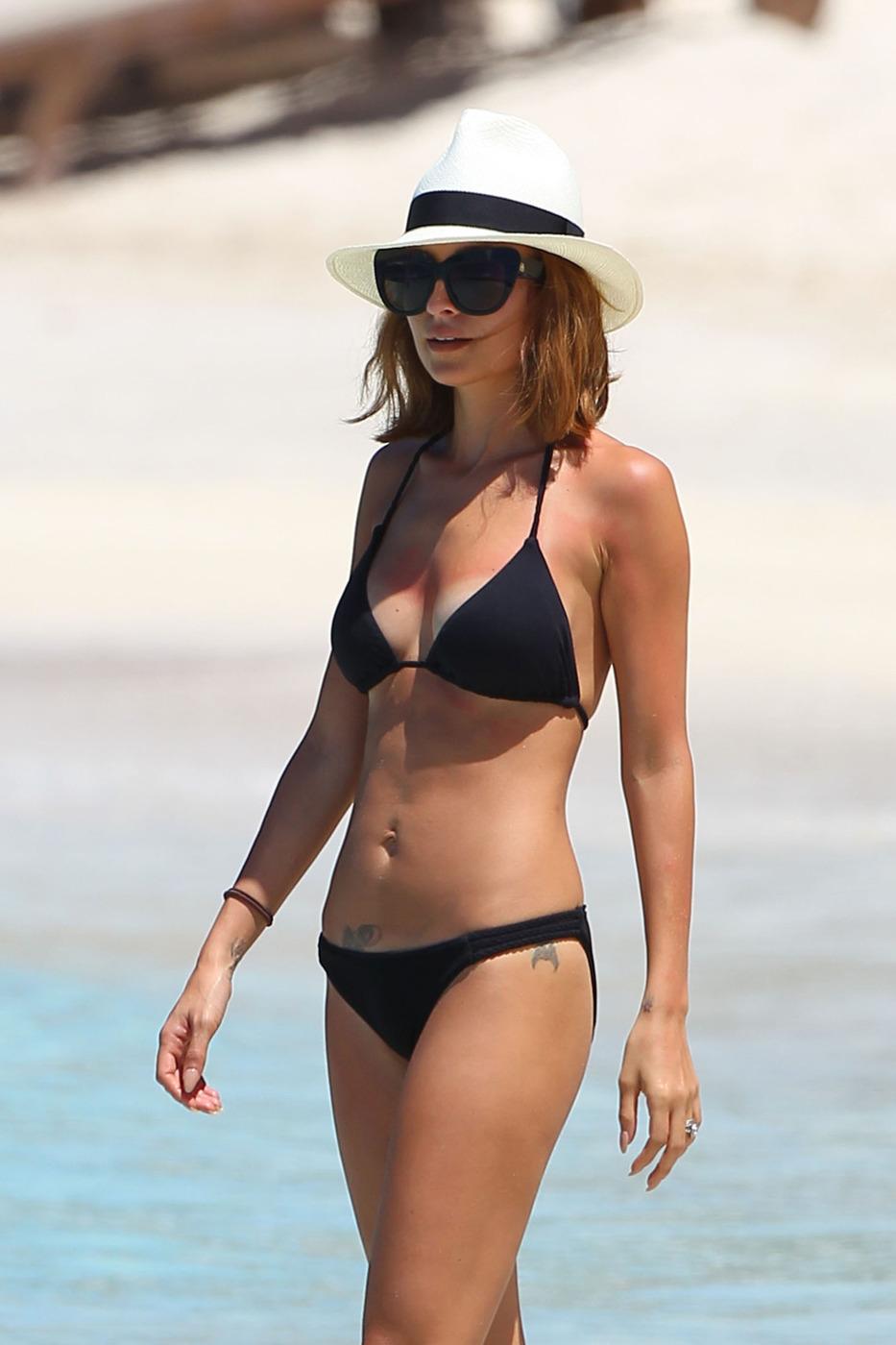 Nicole Richie bikini