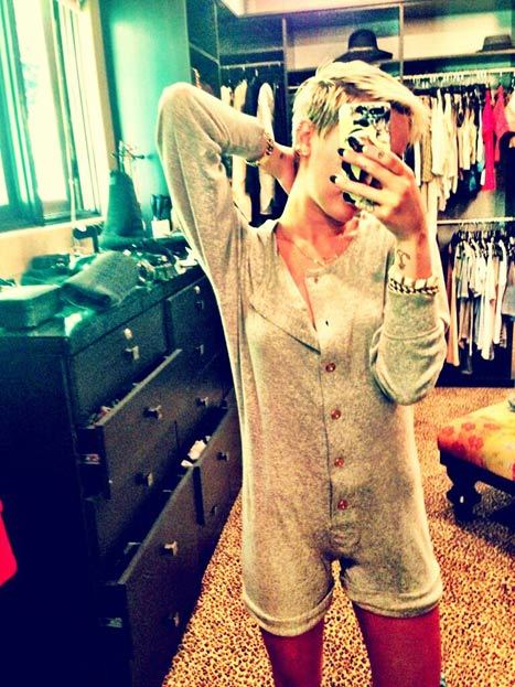 Miley Cyrus twitter pic