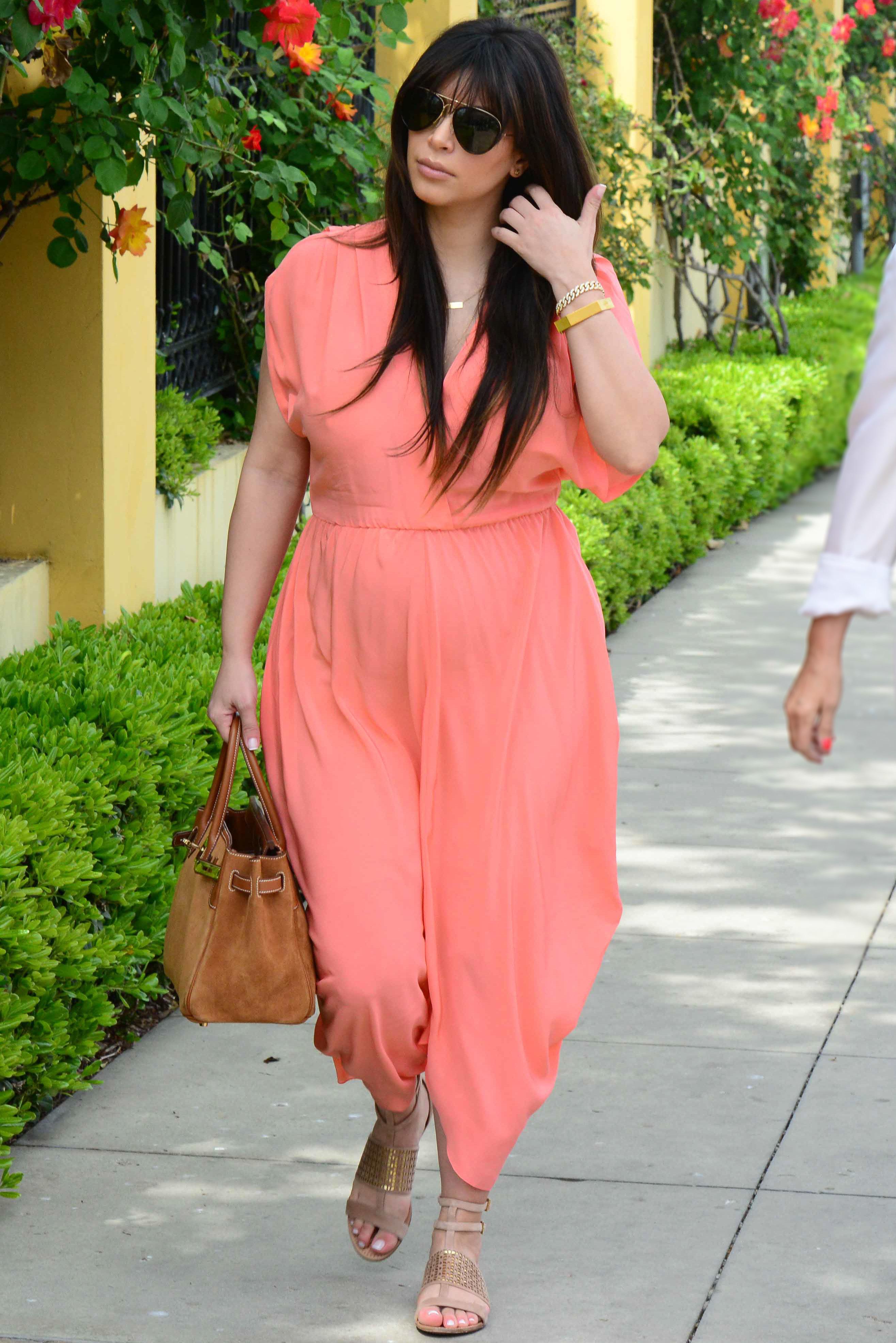 kim kardashian peach jumper