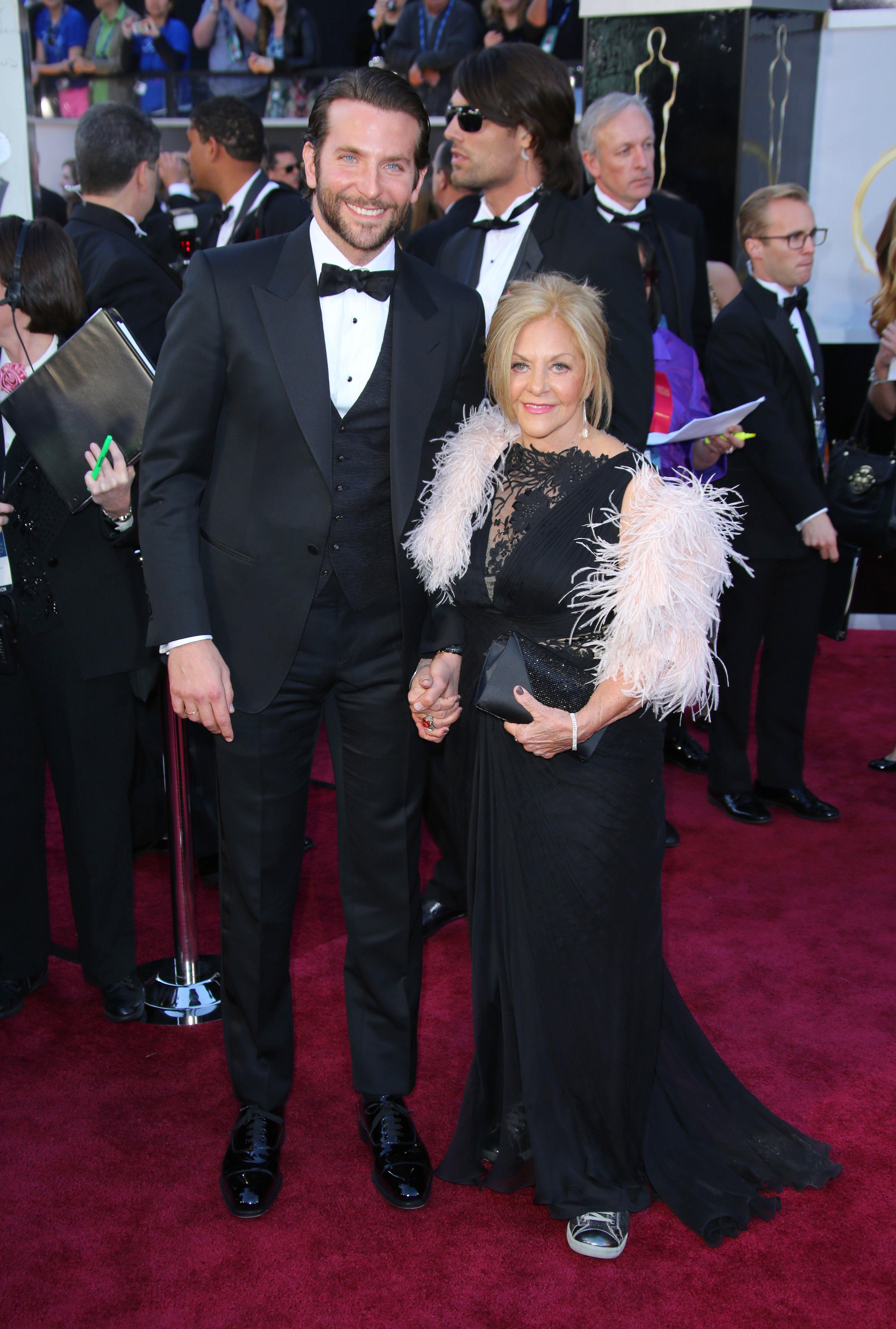 bradley cooper and mom
